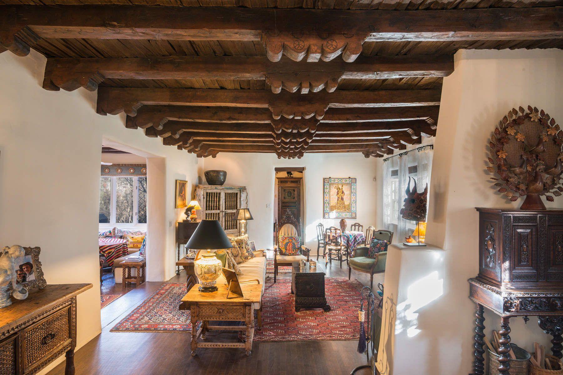 واحد منزل الأسرة للـ Sale في 825 El Caminito 825 El Caminito St, Santa Fe, New Mexico, 87505 United States