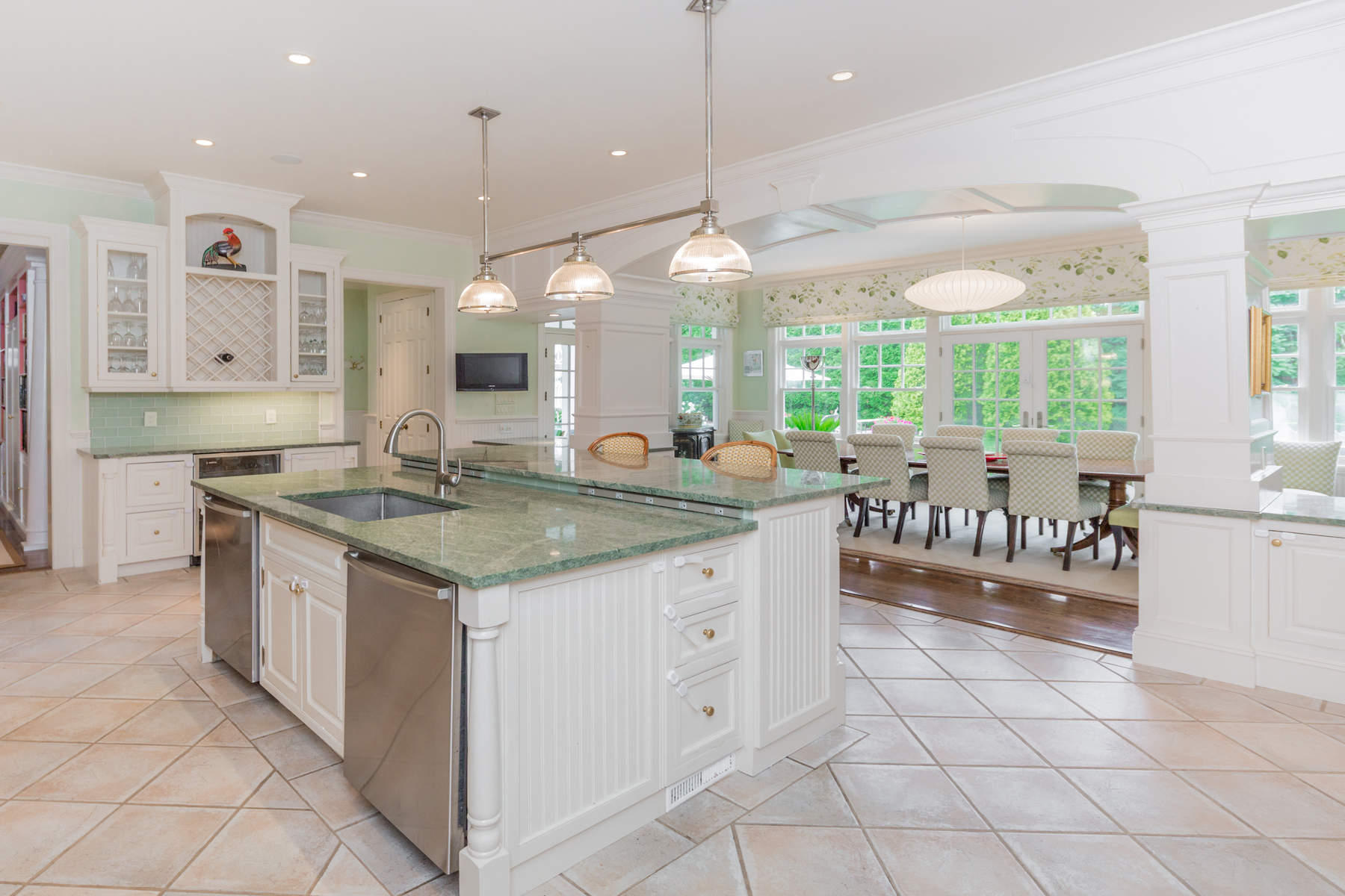 Additional photo for property listing at VILLAGE WITH TENNIS  East Hampton, New York 11937 United States