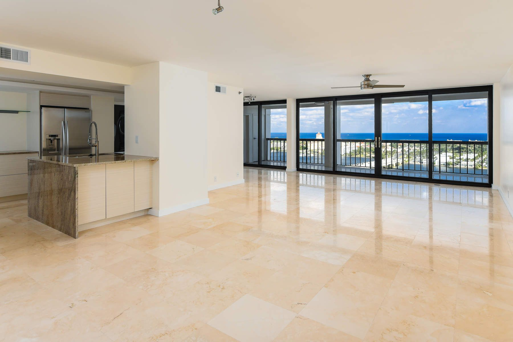 Appartement en copropriété pour l Vente à Waterview Towers 400 N Flagler Dr Ph B2 West Palm Beach, Florida 33401 États-Unis