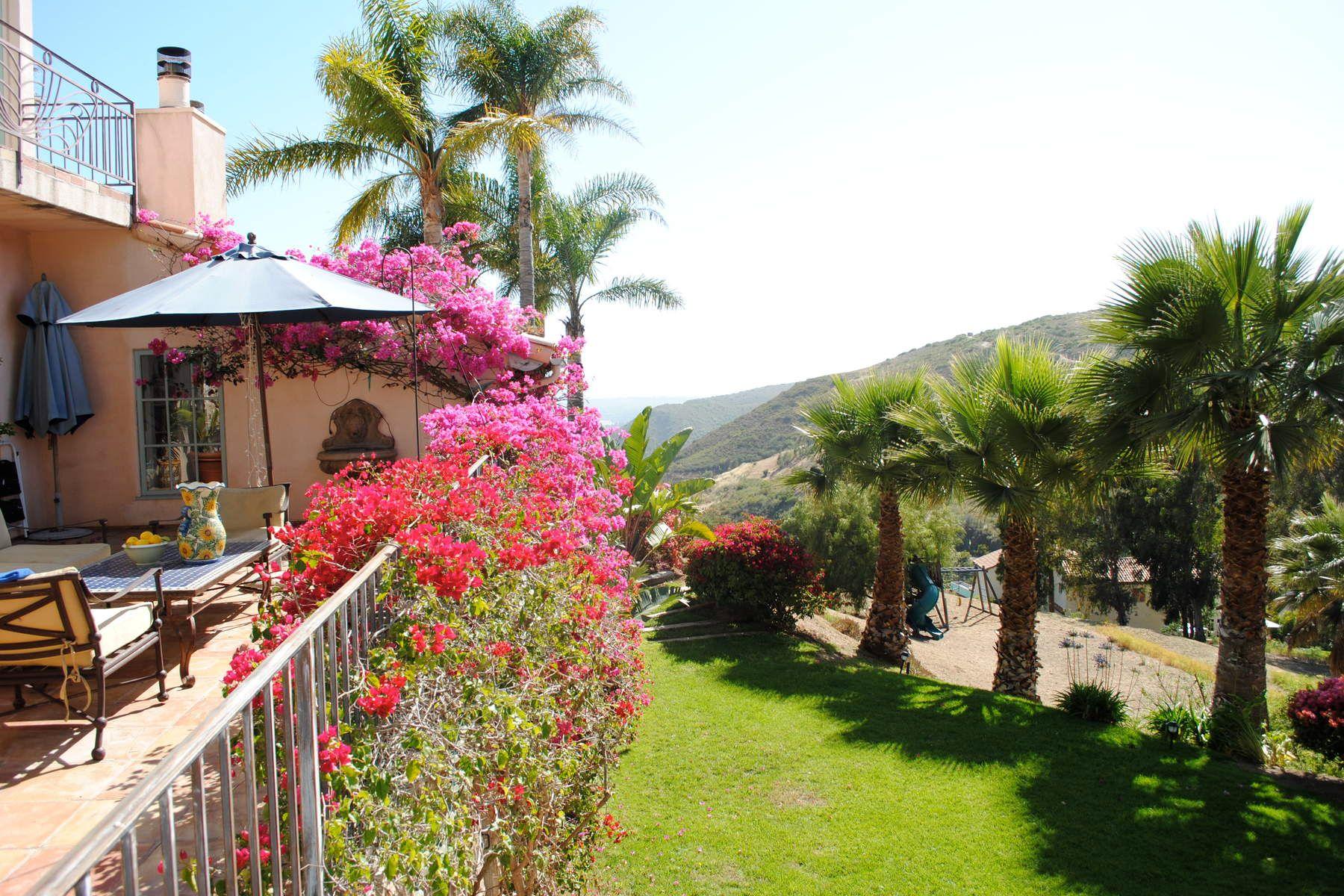 Частный односемейный дом для того Продажа на 2900 Valmere Drive Malibu, Калифорния, 90265 Соединенные Штаты