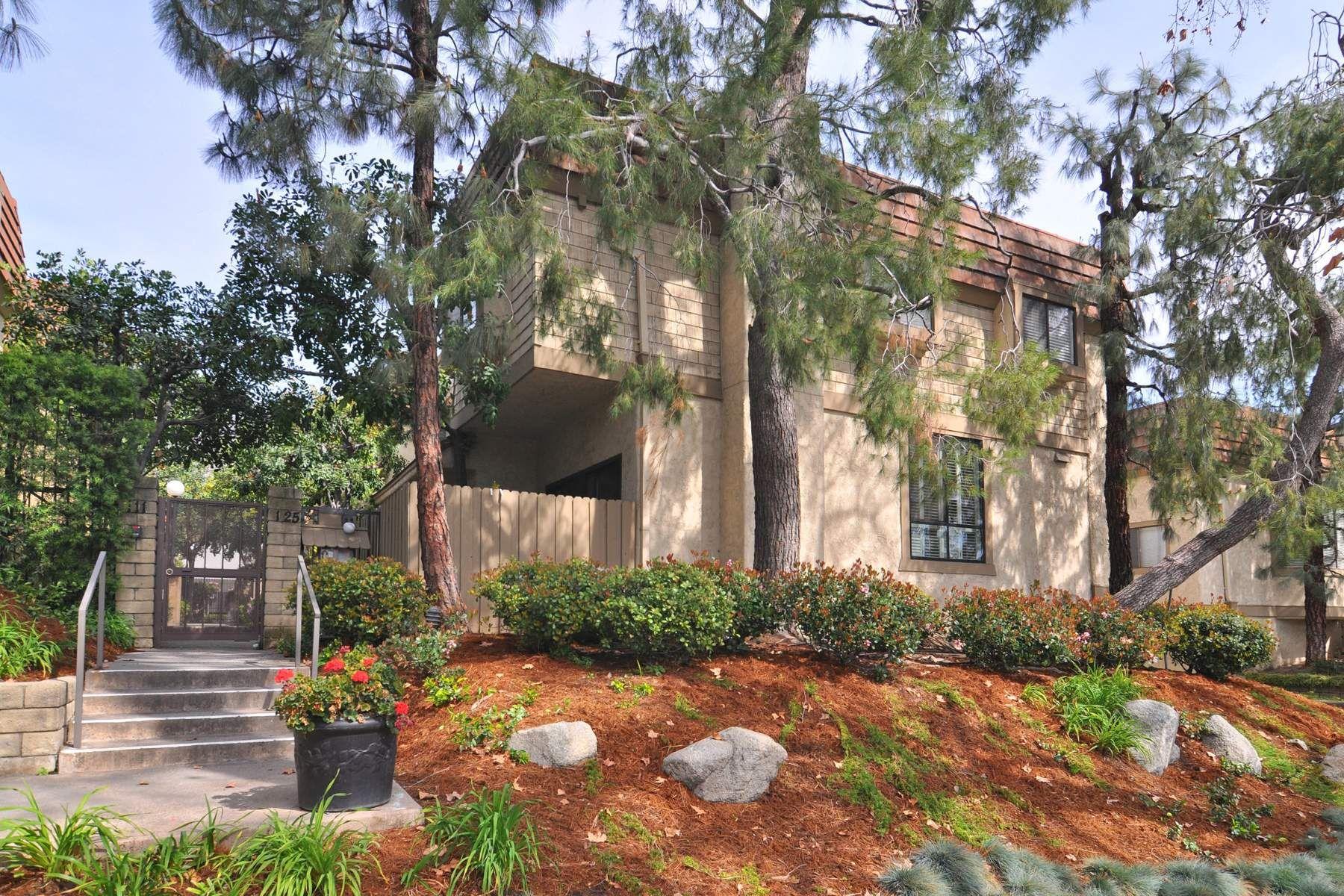 タウンハウス のために 売買 アット Spacious Sierra Madre Town Home 137 East Sierra Madre Boulevard Unit E, Sierra Madre, カリフォルニア, 91024 アメリカ合衆国