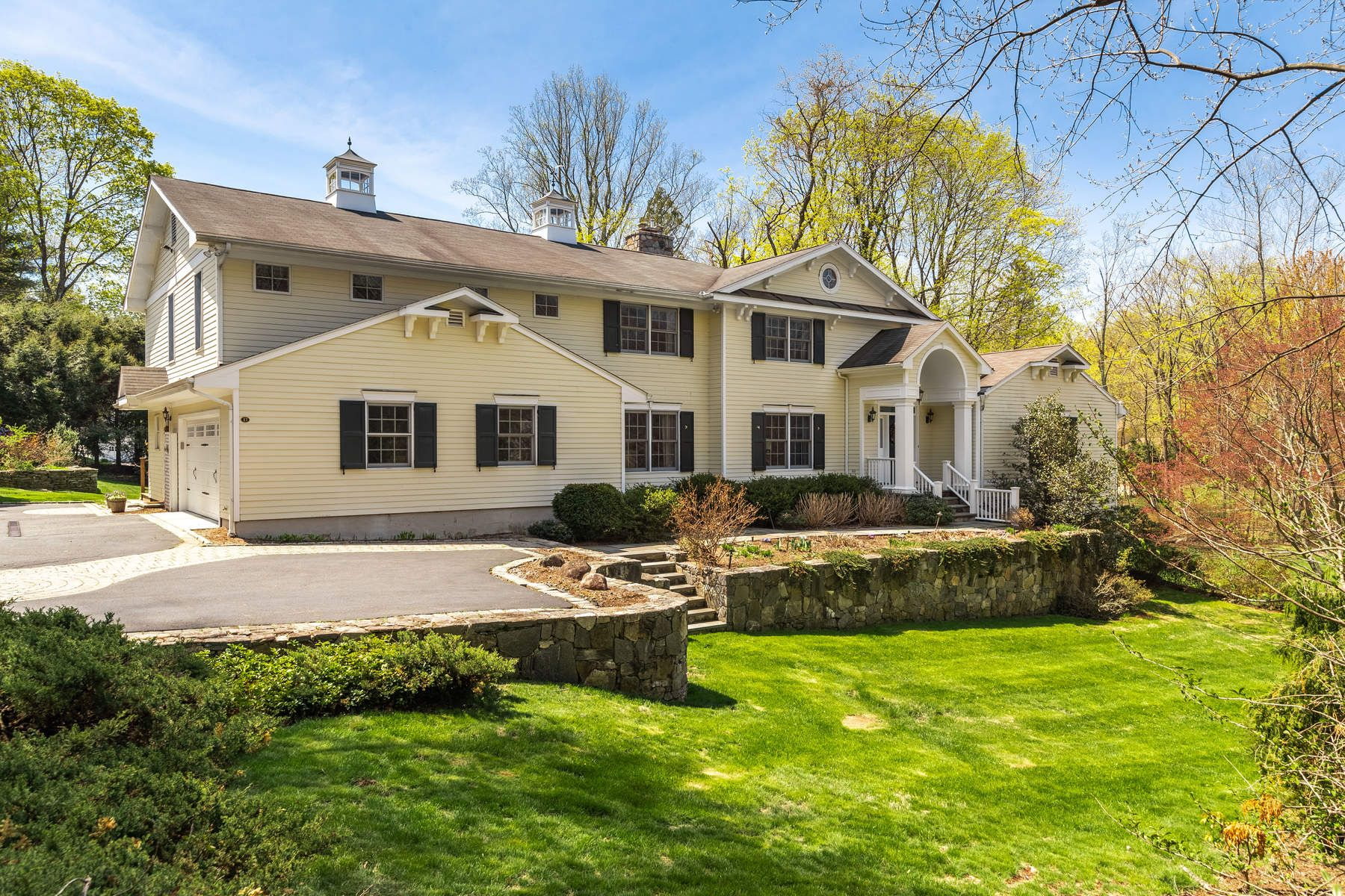 Single Family Home for Sale at 17 Rustic View Road 17 Rustic View Road Greenwich, Connecticut 06830 United States