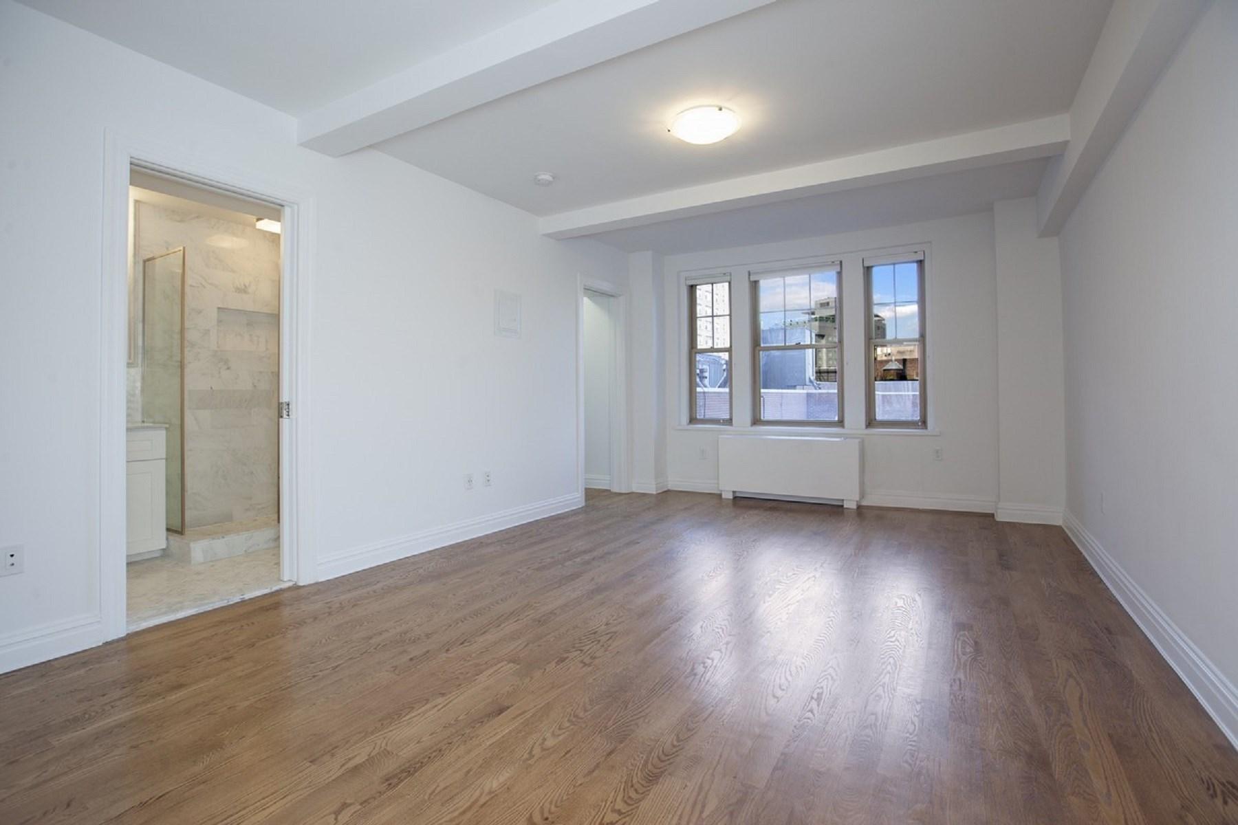 Nhà chung cư vì Bán tại 299 West 12th Street, Apt. 5L 299 West 12th Street Apt 5L West Village, New York, New York, 10014 Hoa Kỳ