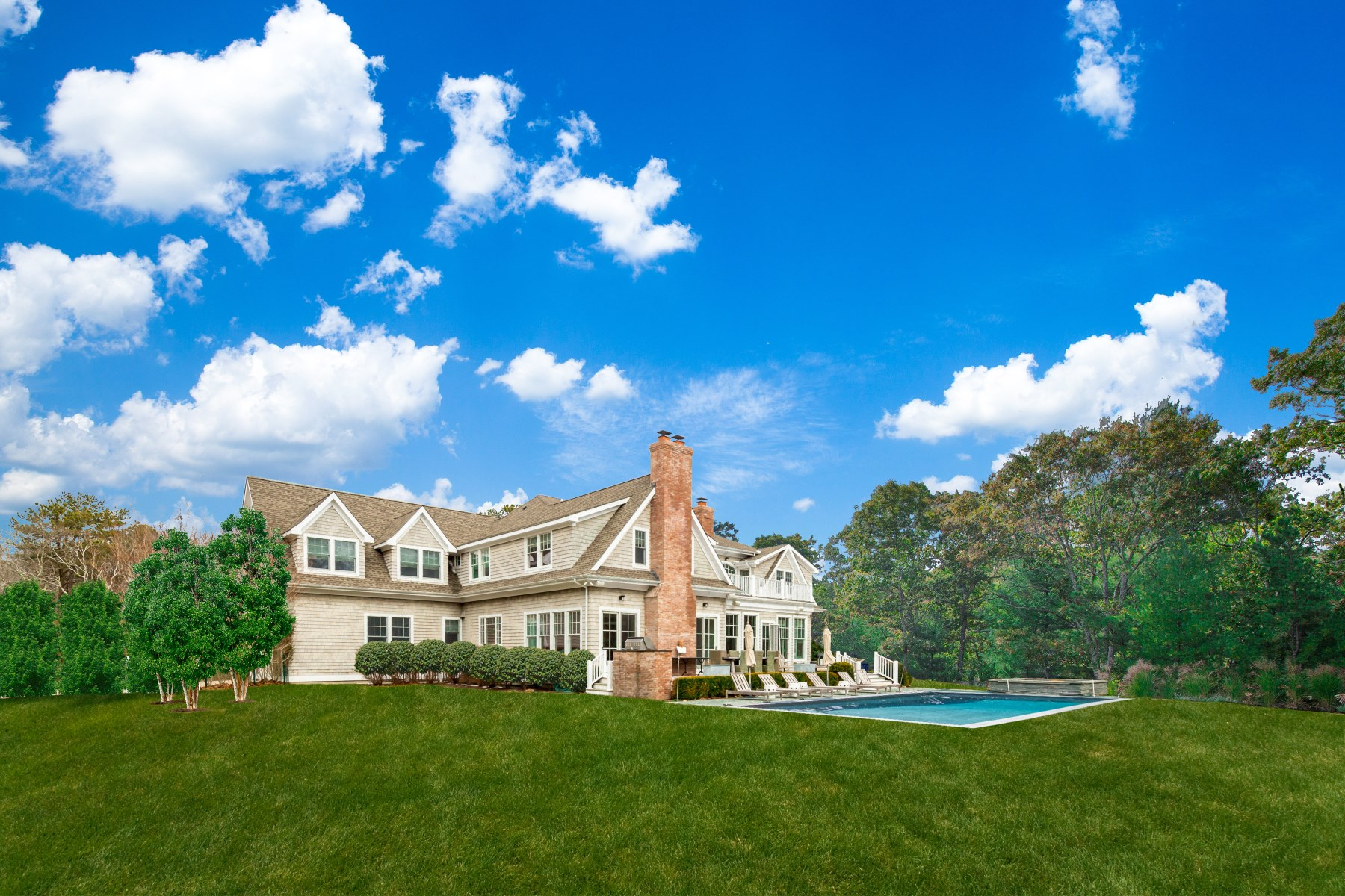 Single Family Home for Sale at GORGEOUS DESIGNER ESTATE, ALMOST NEW 388 Hands Creek Road, East Hampton, New York, 11937 United States
