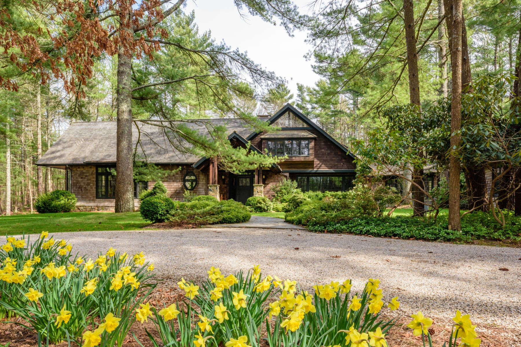 Single Family Home for Active at ONE-OF-A-KIND ON 5.6+/- ACRES 9 Two Holes Of Water Road East Hampton, New York 11937 United States
