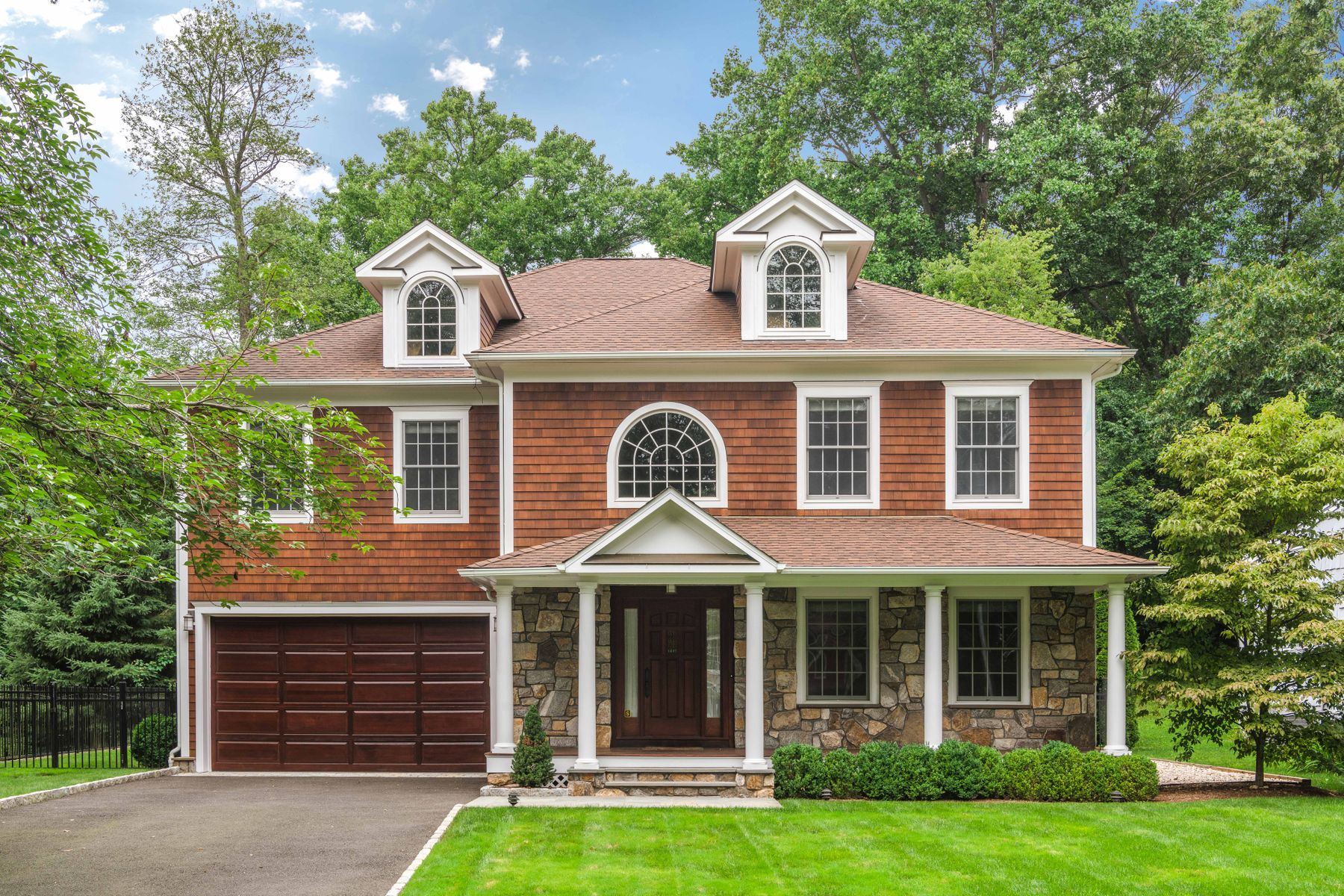 Single Family Home for Sale at North Mianus School District, Cul-De-Sac 66 Gregory Road Cos Cob, Connecticut 06807 United States