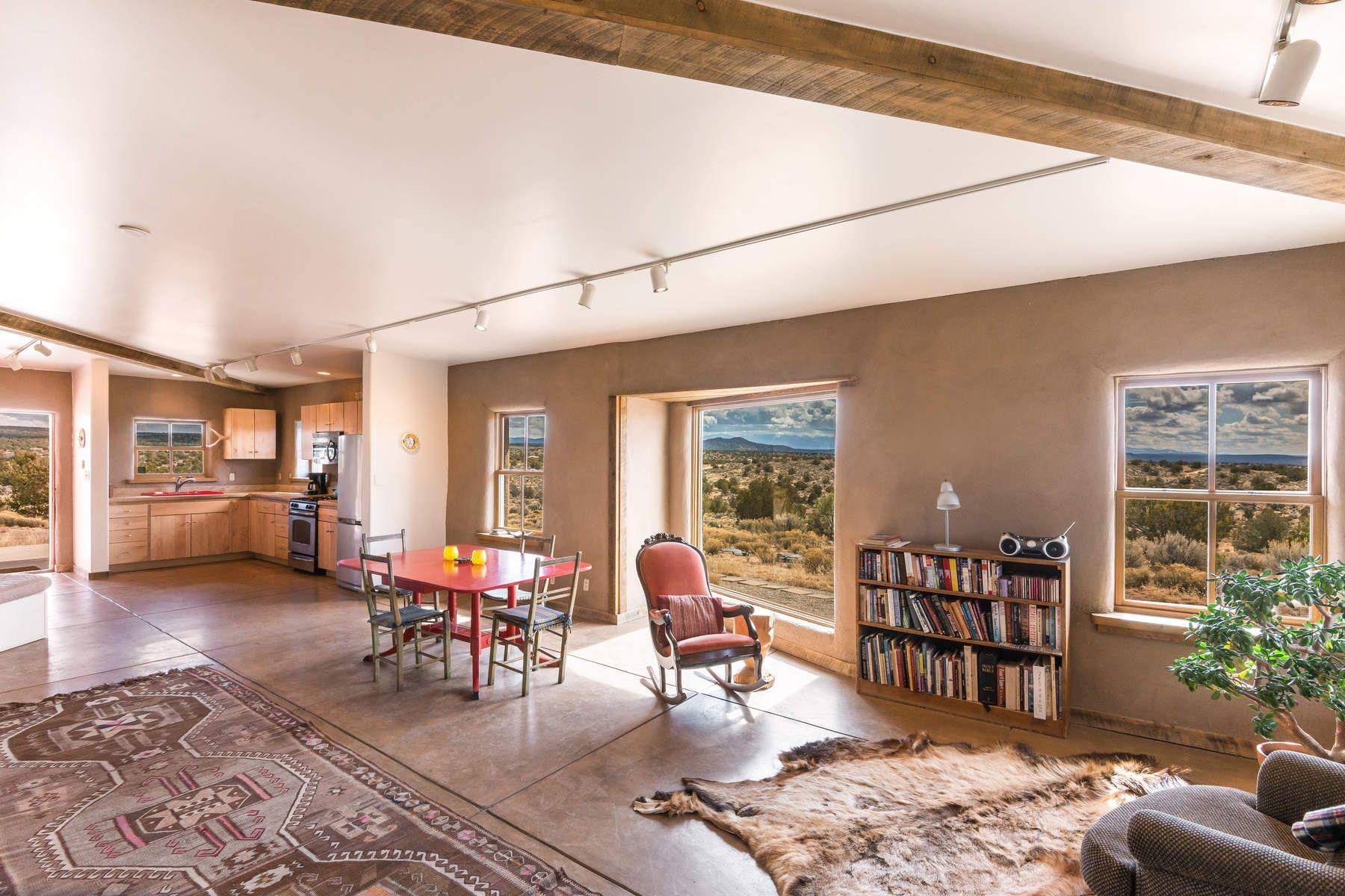 Частный односемейный дом для того Продажа на 35884 Us Highway 285 Ojo Caliente, Нью-Йорк, 87549 Соединенные Штаты