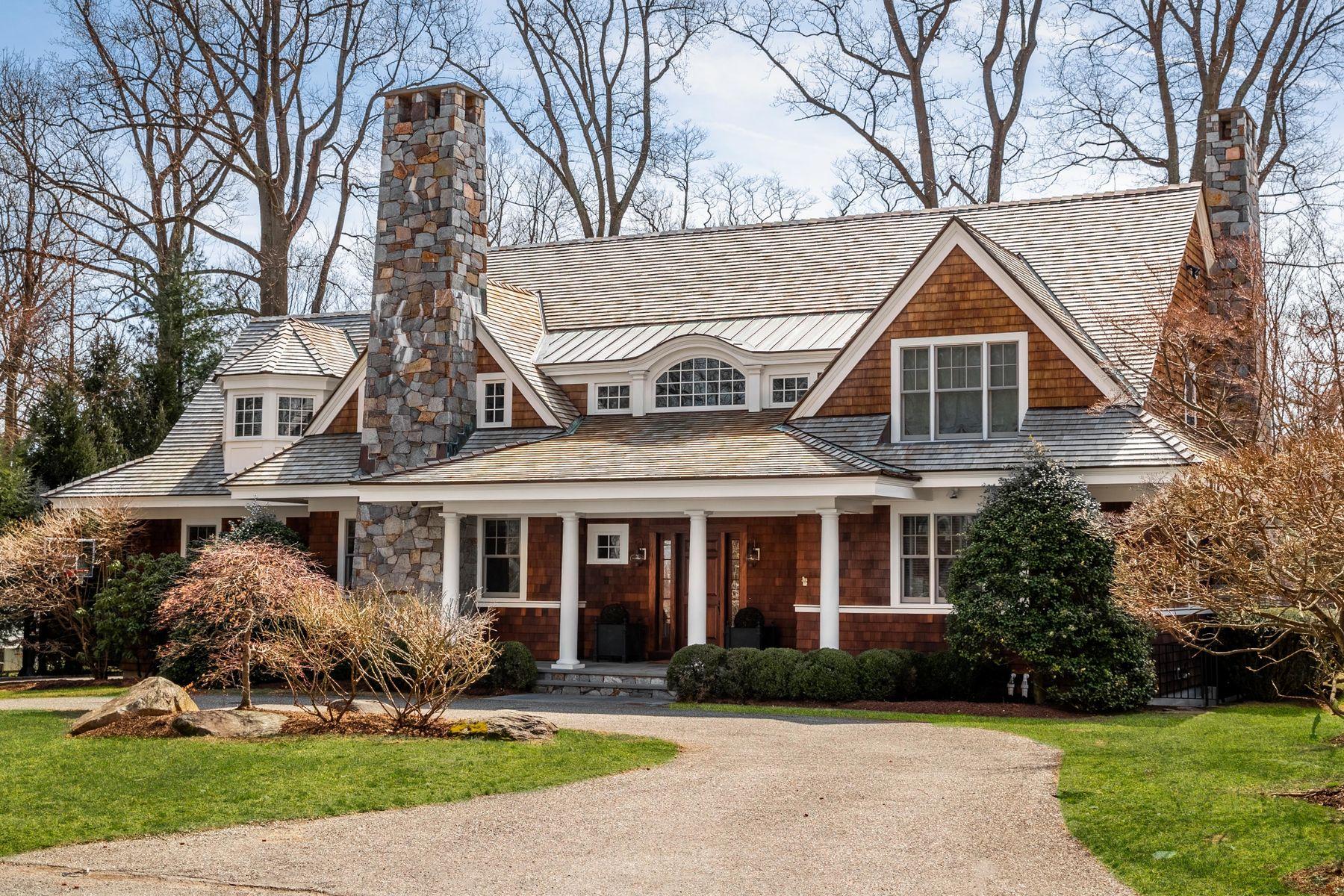 Single Family Homes pour l Vente à 28 Welwyn Road Riverside, Connecticut 06878 États-Unis