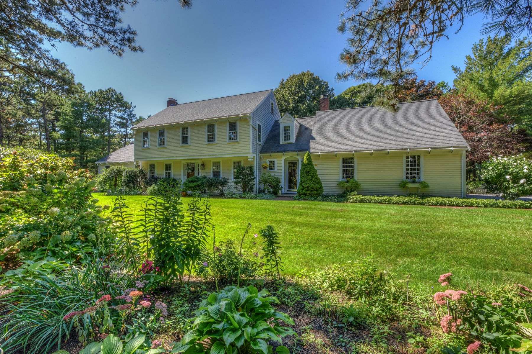 Single Family Home for Active at 36 Forsyth Court Cotuit, Massachusetts 00263 United States