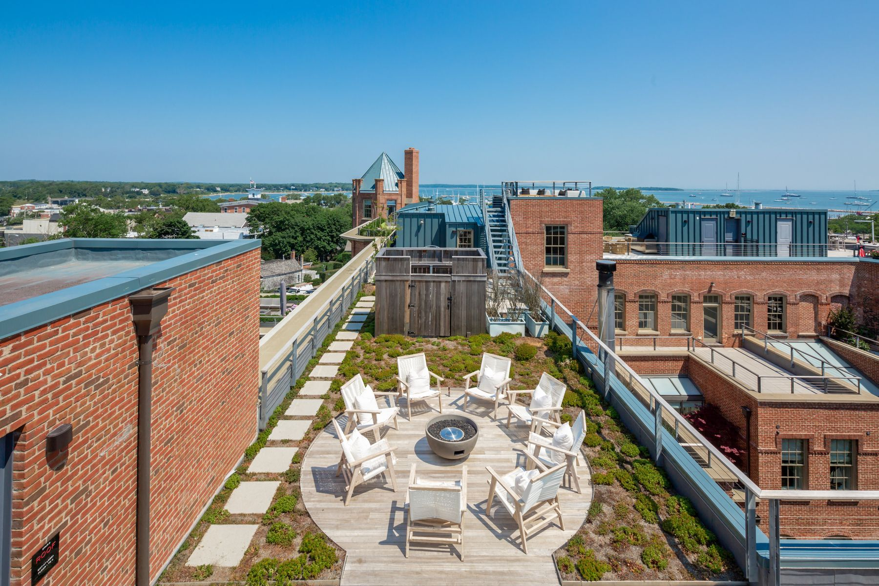 Additional photo for property listing at 15 Church Street, PH 418, Sag Harbor 15 Church Street Ph418 Watchcase - Penthouse Sag Harbor, New York 11963 United States