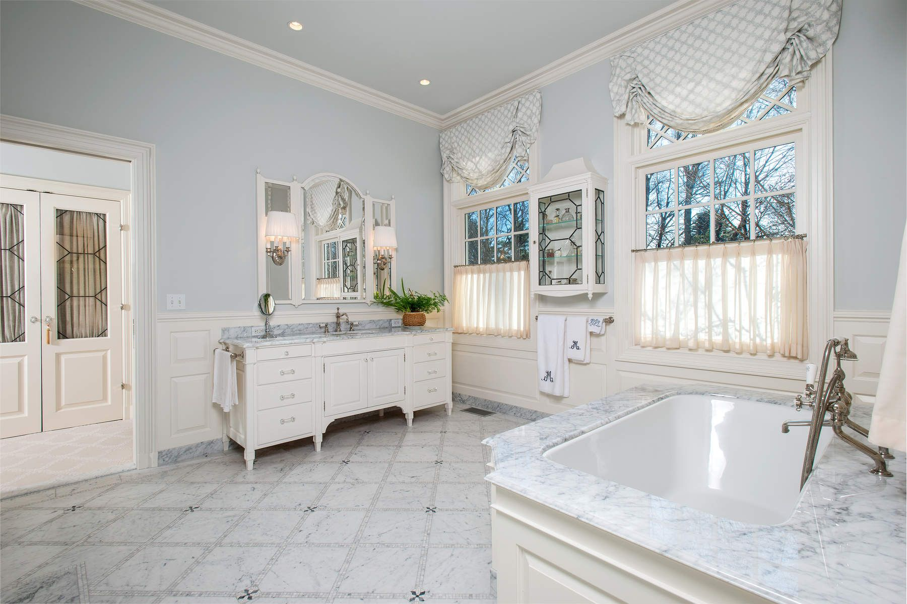 Additional photo for property listing at Ultimate Greenwich Country Estate 586 Round Hill Road Greenwich, Connecticut 06831 United States