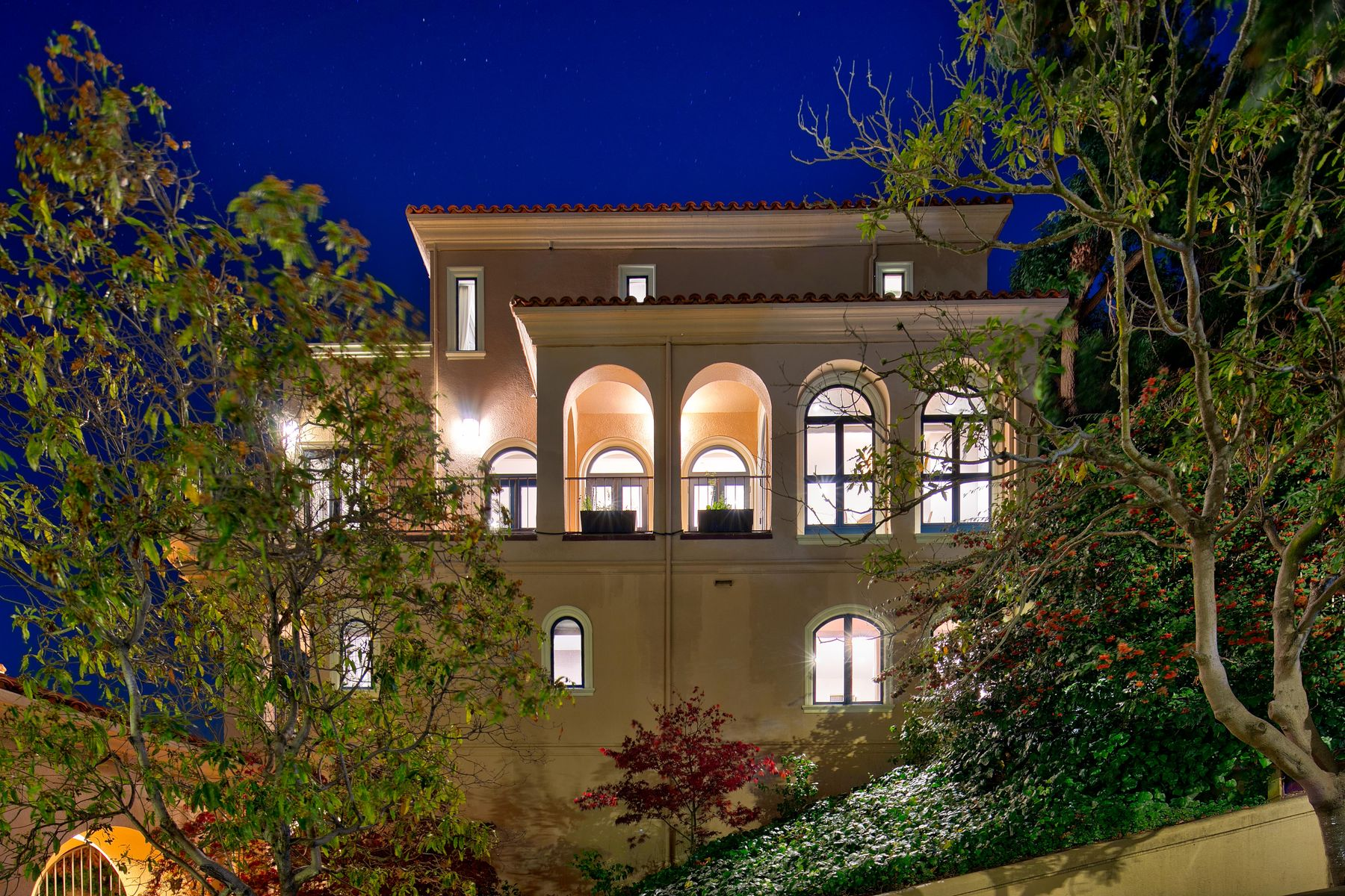 Condominiums 为 销售 在 View home on iconic Telegraph Hill 1960 Grant Ave Apt 15 旧金山, 加利福尼亚州 94133 美国