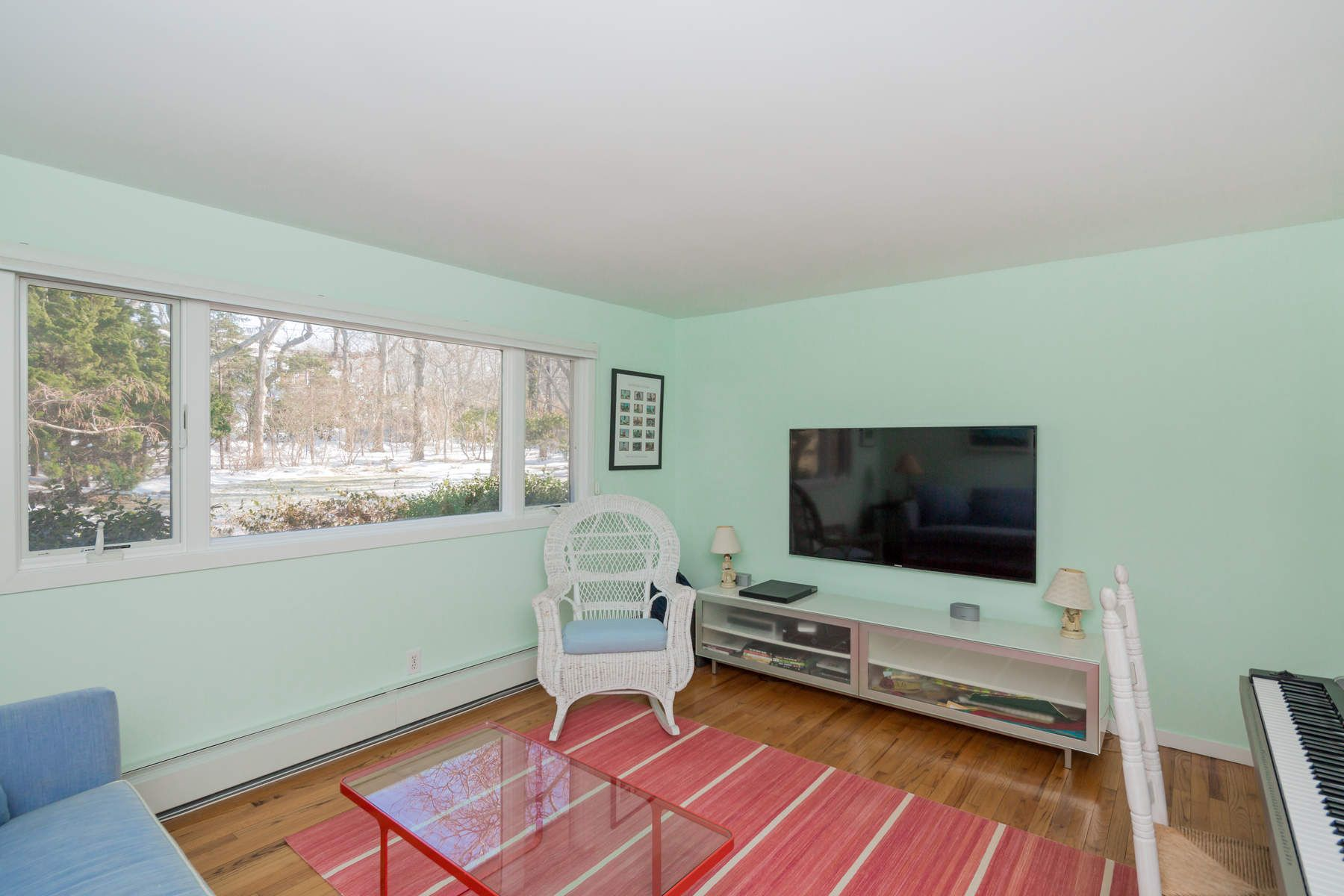 Additional photo for property listing at Forever  Views On The Bay 94 Runnymeade Drive East Hampton, New York 11937 United States