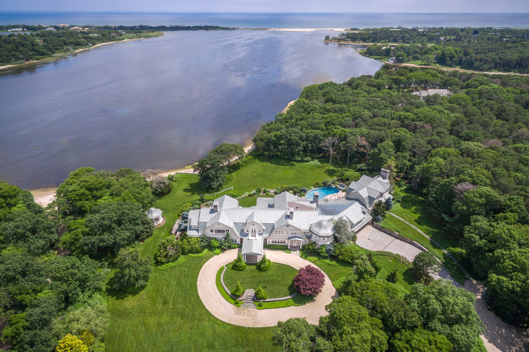 Casa Unifamiliar por un Venta en Burnt Point 38 Mathews Road Wainscott, Nueva York, 11975 Estados Unidos