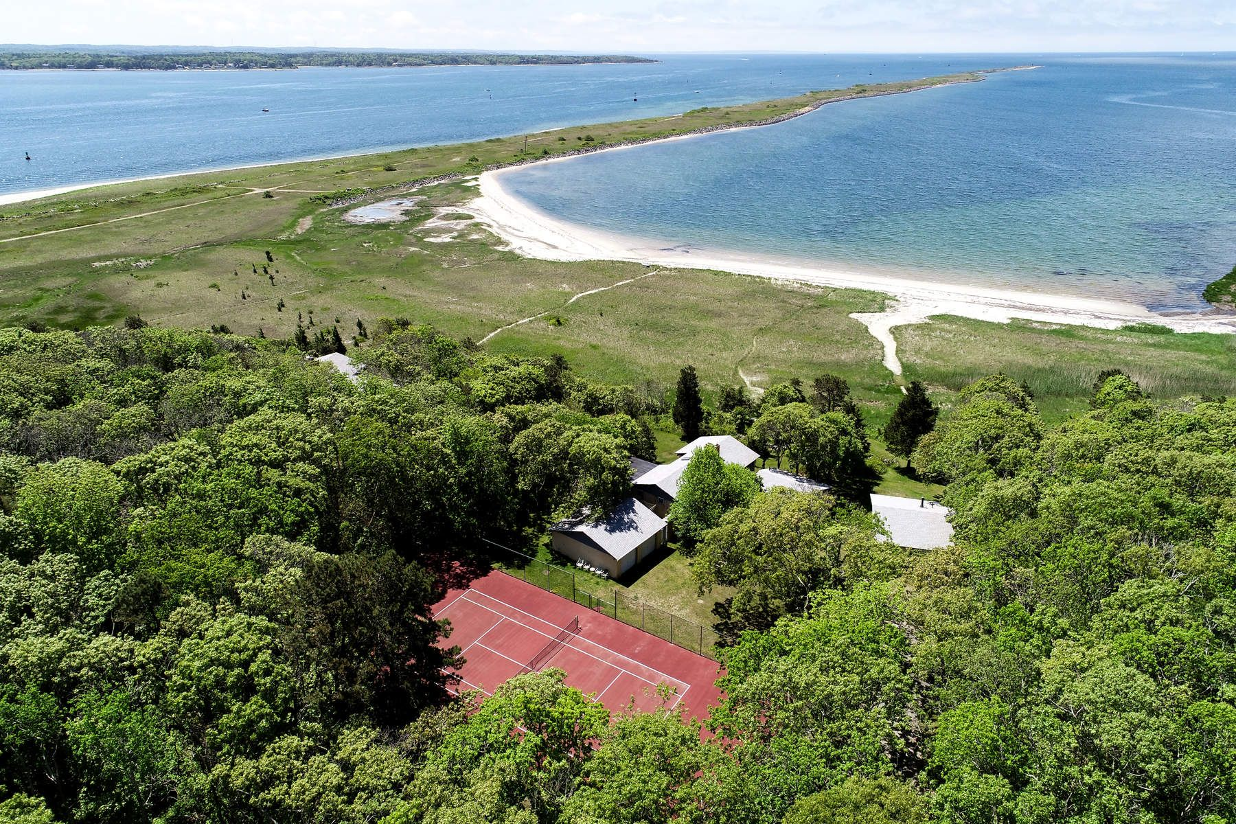 Single Family Home for Active at 257 Great Neck Road, Wareham 257 Great Neck Road Wareham, Massachusetts 02571 United States