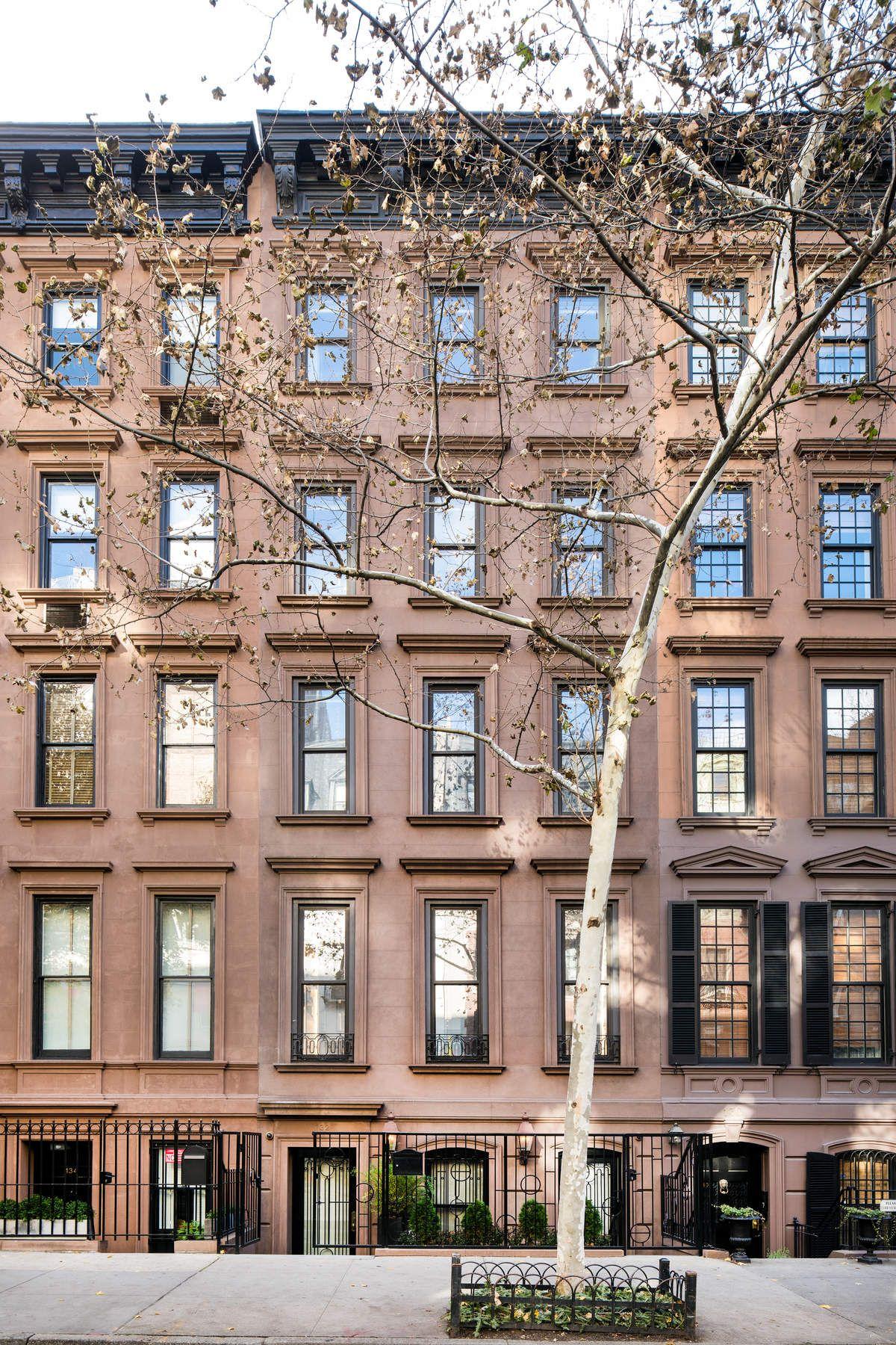 Таунхаус для того Продажа на 132 East 62nd Street Upper East Side, New York, Нью-Йорк, 10065 Соединенные Штаты