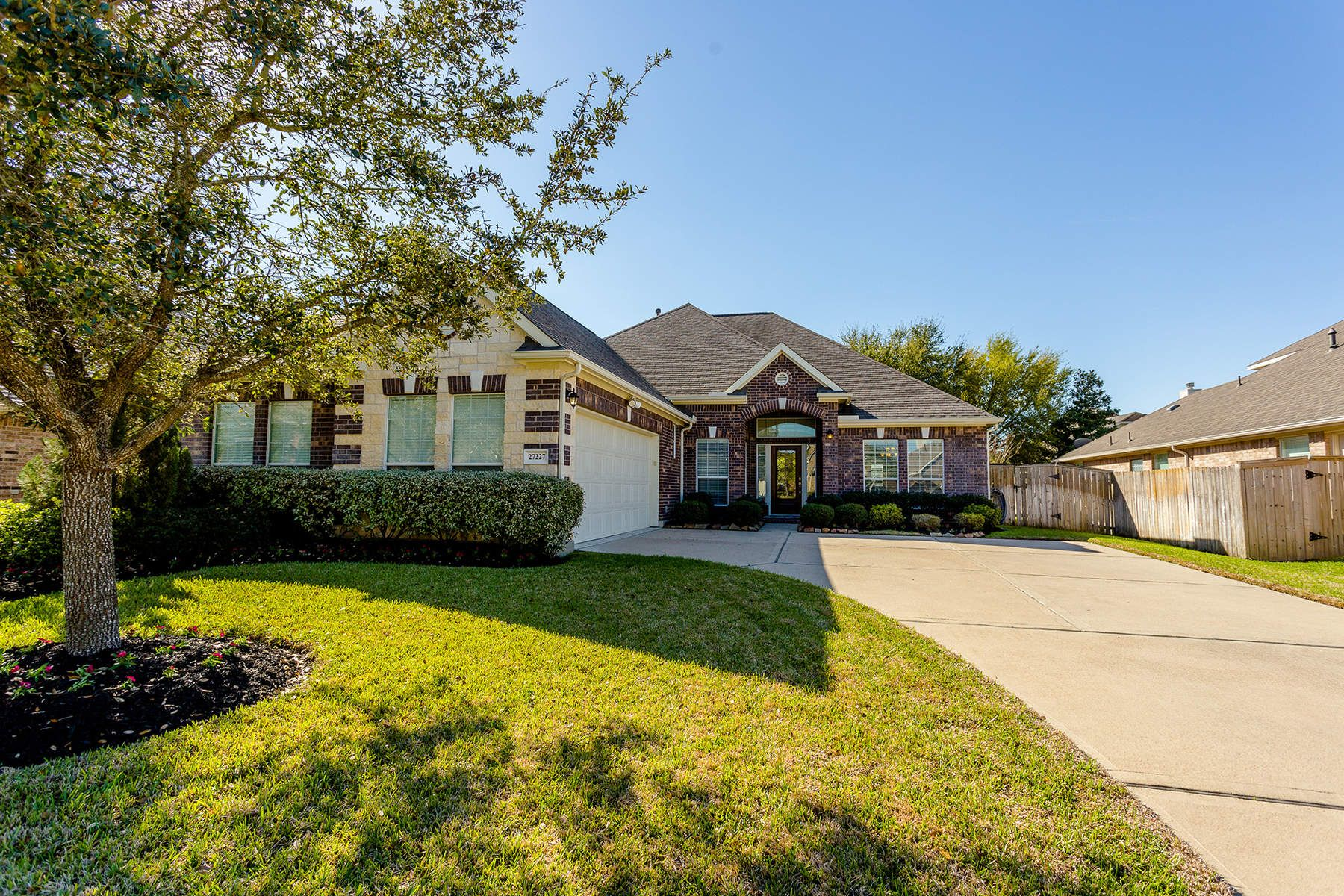 Single Family Home for Sale at 27227 Horseshoe Falls Lane 27227 Horseshoe Falls Lane Cypress, Texas 77433 United States