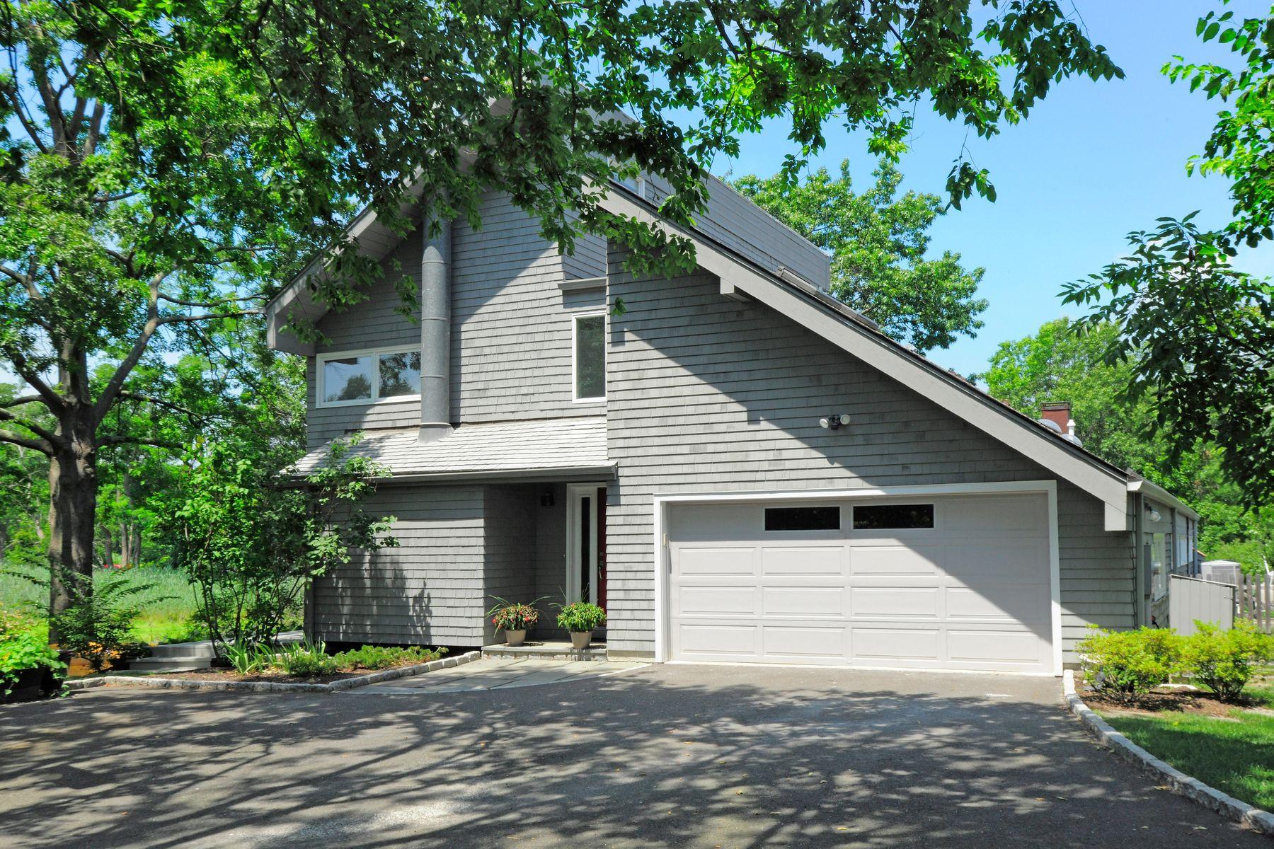 single family homes voor Verkoop op 27 Edgewater Drive in Old Greenwich Old Greenwich, Connecticut 06870 Verenigde Staten