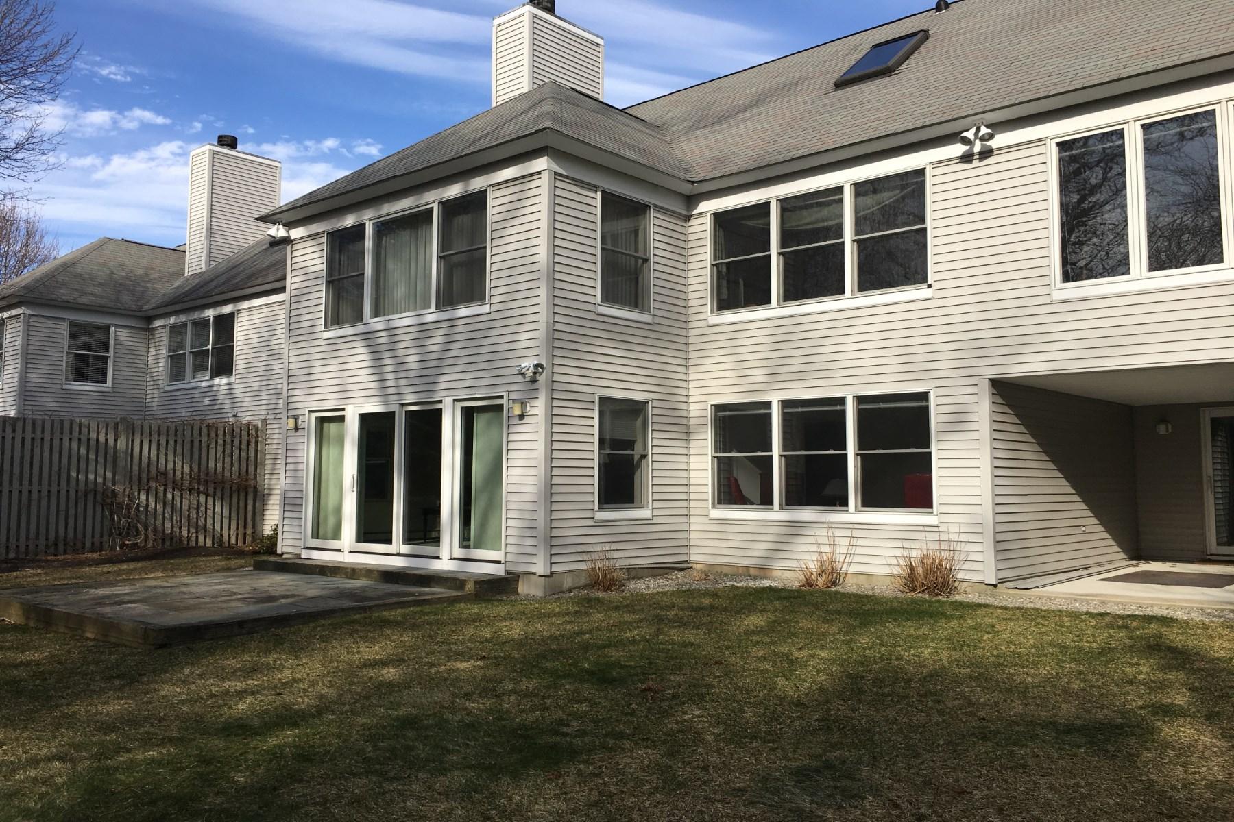 Maison unifamiliale pour l Vente à Elegant home in The Cove 28 Jenney Lane Marion, Massachusetts, 02738 États-Unis