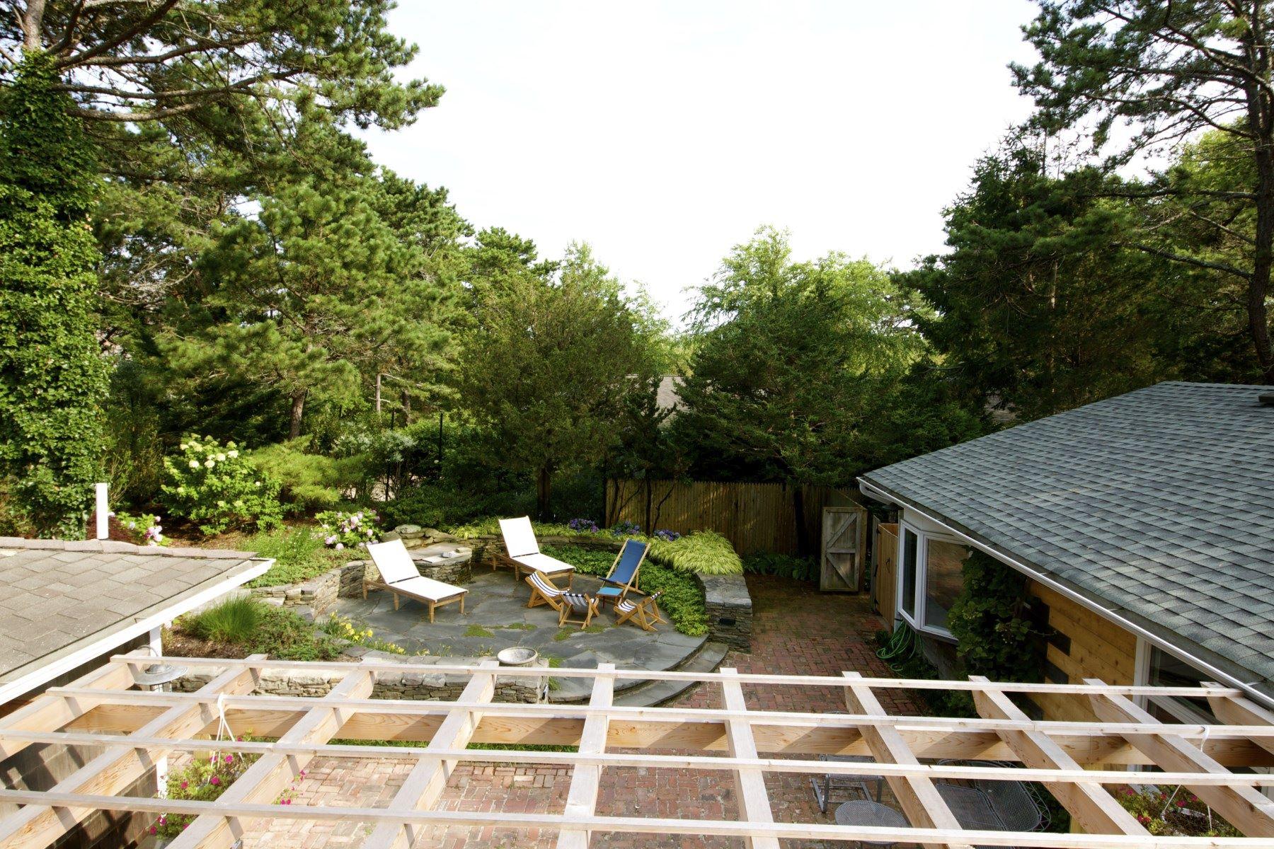 Additional photo for property listing at Amagansett Dunes Beach House 41 Hampton Lane Amagansett, New York 11930 United States
