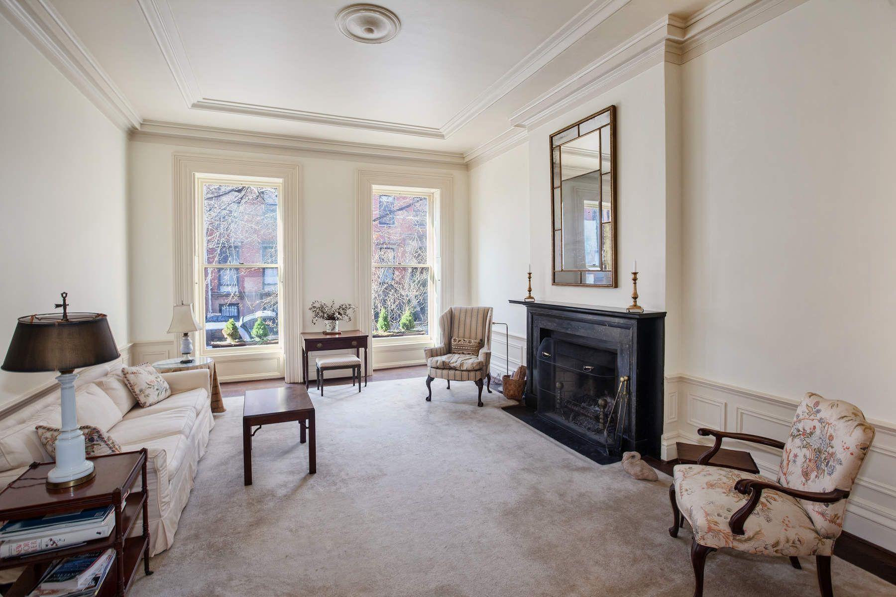 Таунхаус для того Продажа на Elegant & Spacious Prime Heights Home 261 Henry Street Brooklyn, Нью-Йорк 11201 Соединенные Штаты