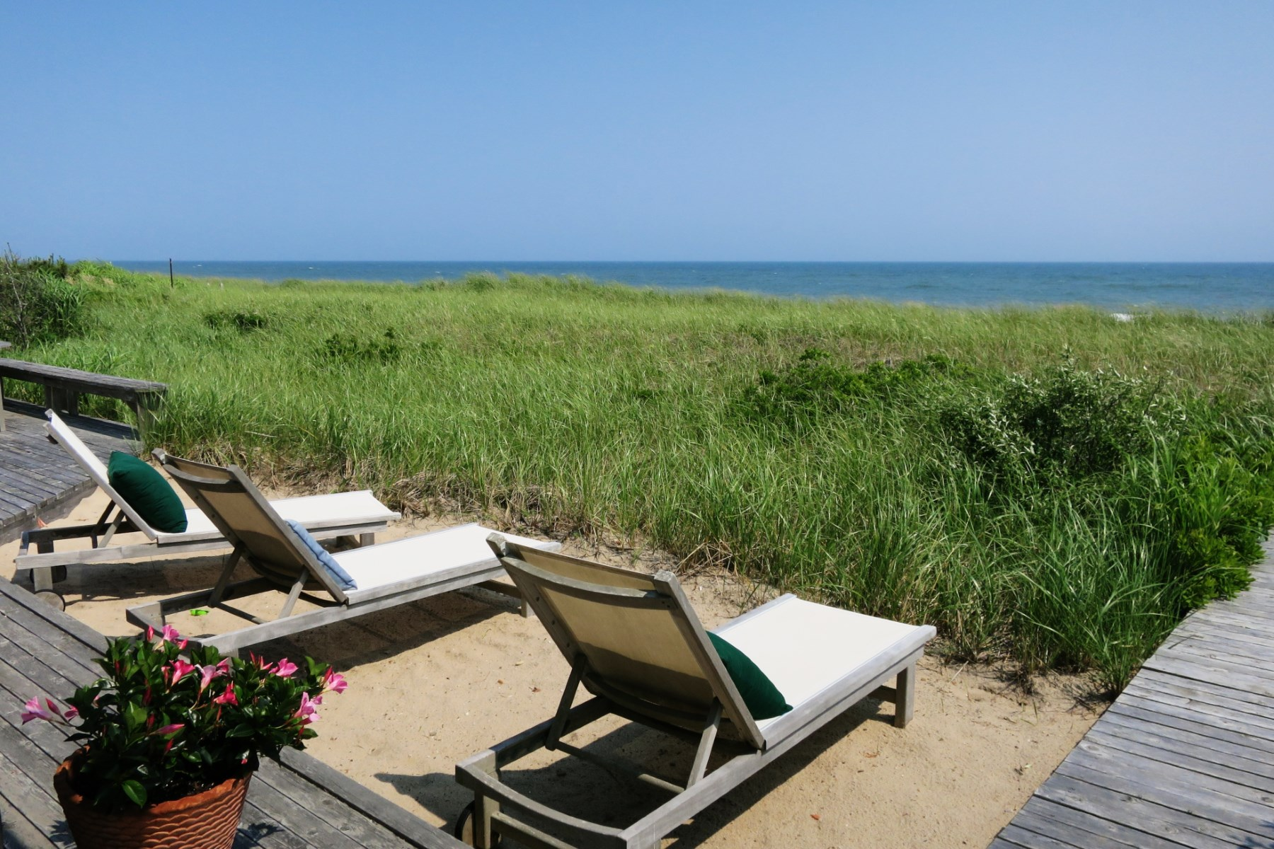 独户住宅 为 出租 在 Amagansett Oceanfront with Heated Pool 47 Marine Boulevard Amagansett Dunes, 阿莫甘西特, 纽约州, 11930 美国
