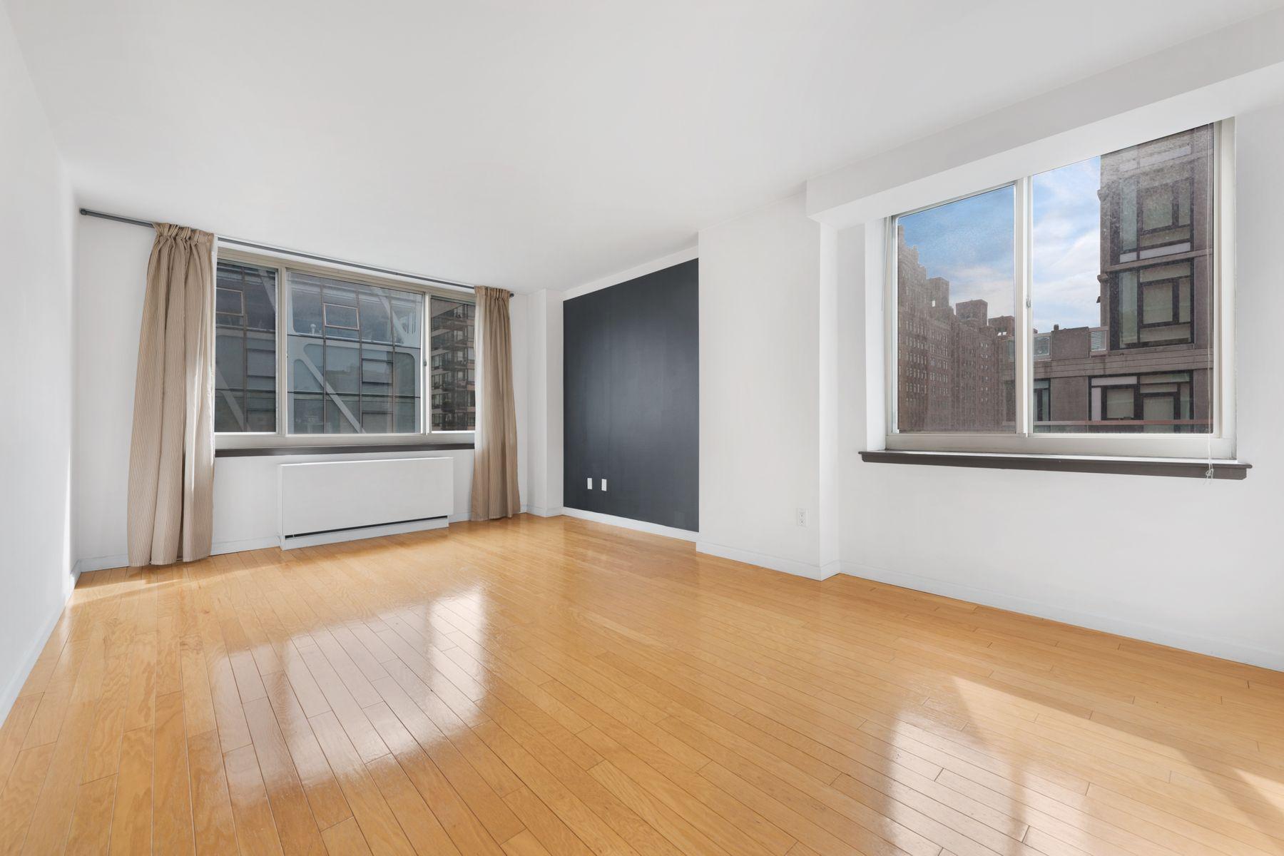 Apartamento por un Alquiler en Chelsea Corner 1 Bed w/ Open City Views 520 West 23rd Street Apt 9F New York, Nueva York 10011 Estados Unidos