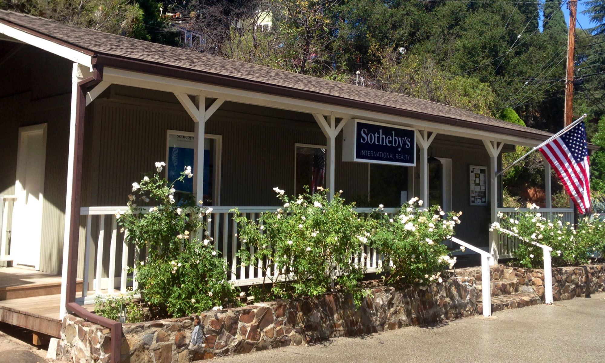 Office Sotheby's International Realty - Topanga Brokerage Photo