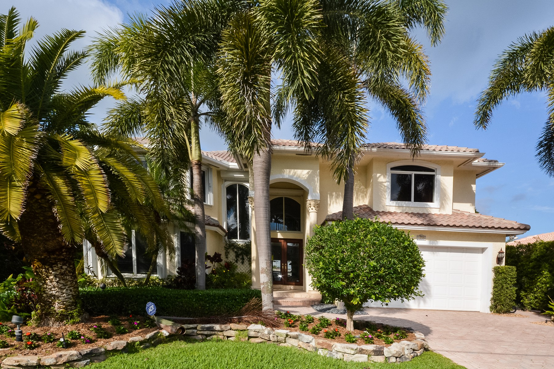 Property For Sale at 1055 Del Harbour Dr , Delray Beach, FL 33483