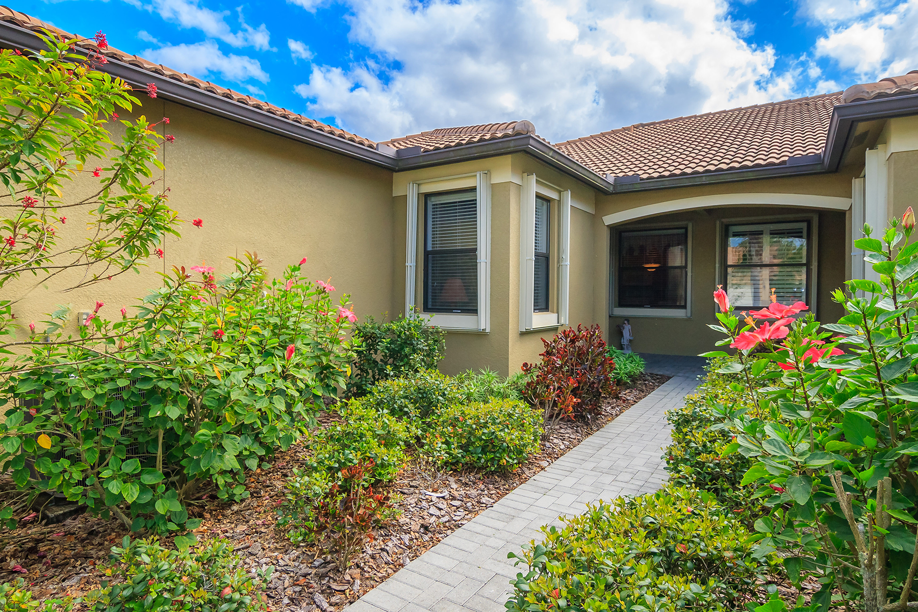 Townhouse for Sale at VENETIAN FALLS 11127 Campazzo Dr Venice, Florida, 34292 United States