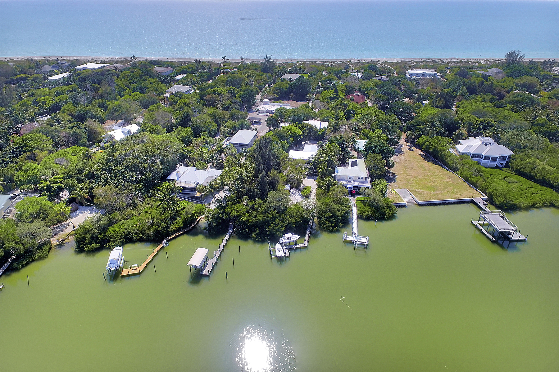Single Family Home for Sale at 16181 Captiva Drive, Captiva, FL 33924 16181 Captiva Dr, Captiva, Florida 33924 United States