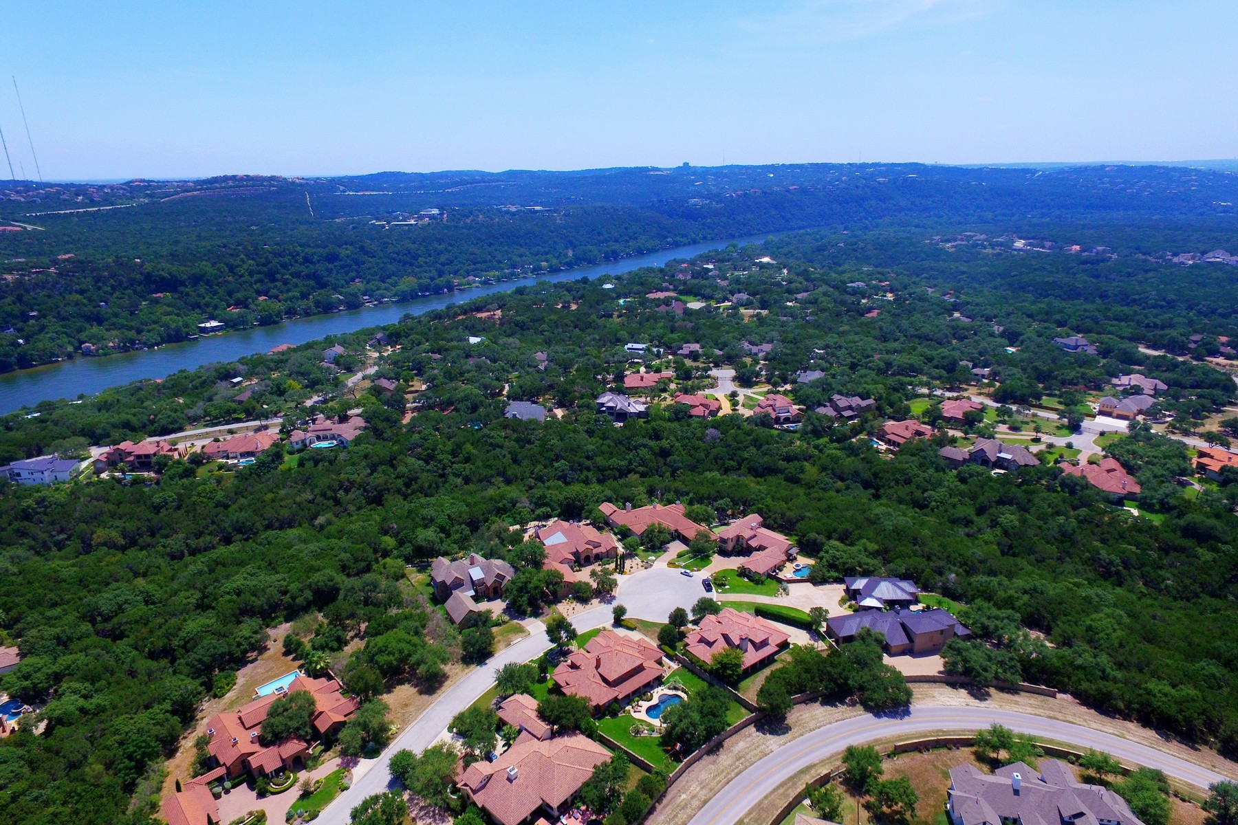 Additional photo for property listing at Private Lake Austin Executive Home 3708 Pappys Way Austin, Texas 78730 Estados Unidos
