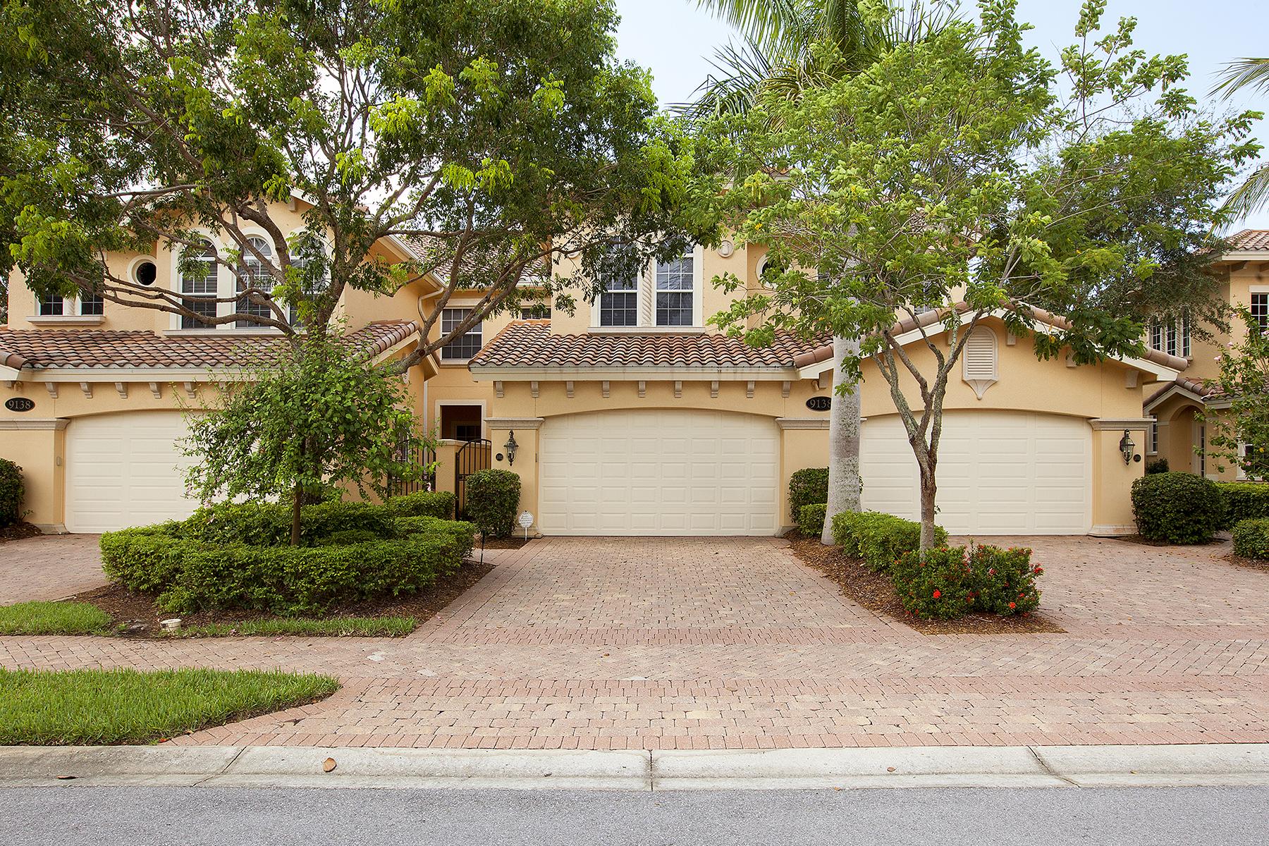 Condomínio para Venda às FIDDLER'S CREEK - CHERRY OAKS 9138 Cherry Oaks Ln 102 Naples, Florida 34114 Estados Unidos