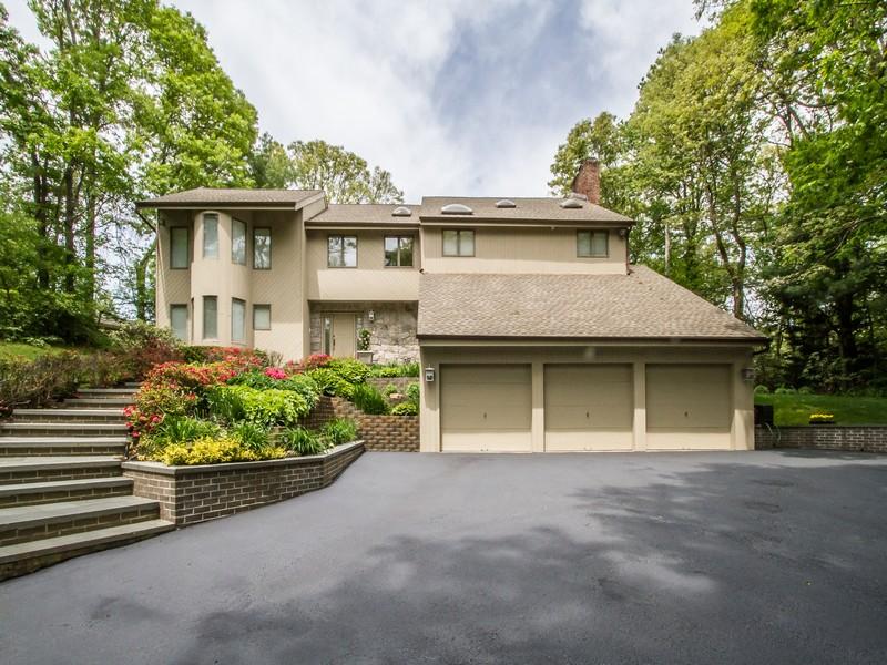 獨棟家庭住宅 為 出售 在 Colonial 55 Colonial Dr Huntington, 紐約州 11743 美國