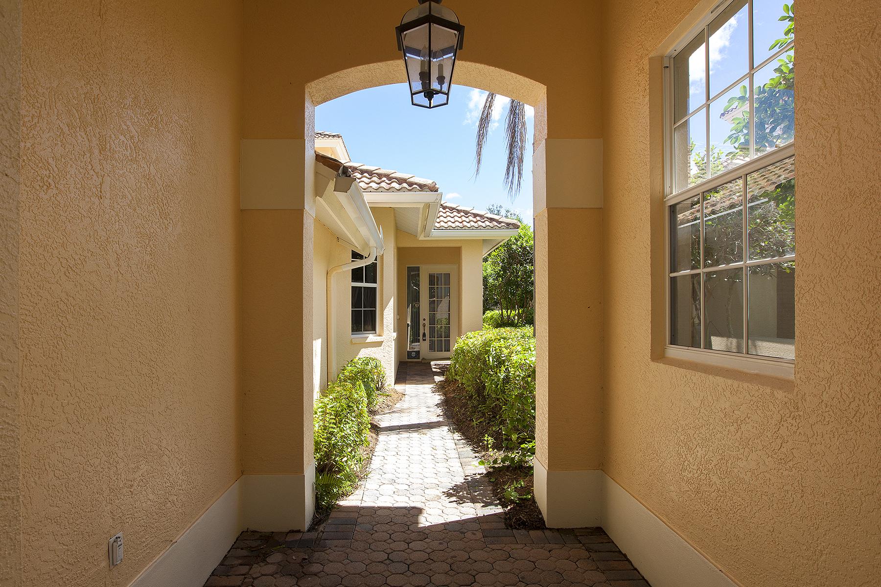 Casa Unifamiliar por un Venta en FIDDLER'S CREEK - COTTON GREEN 3835 Cotton Green Path Dr Naples, Florida 34114 Estados Unidos