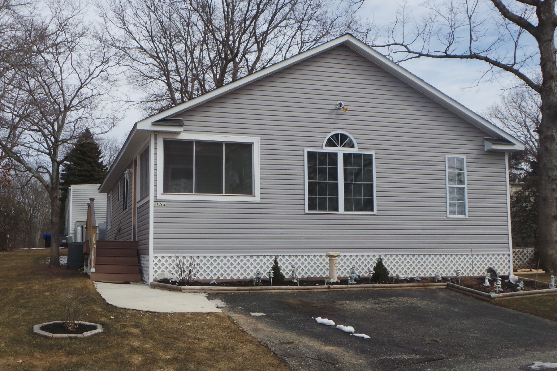 단독 가정 주택 용 매매 에 Mobile Home 703-153 Fresh Pond Ave Calverton, 뉴욕 11933 미국