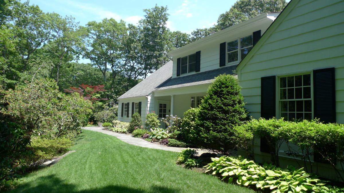 Single Family Home for Sale at Farm Ranch 10 Highwood Rd Setauket, New York, 11733 United States
