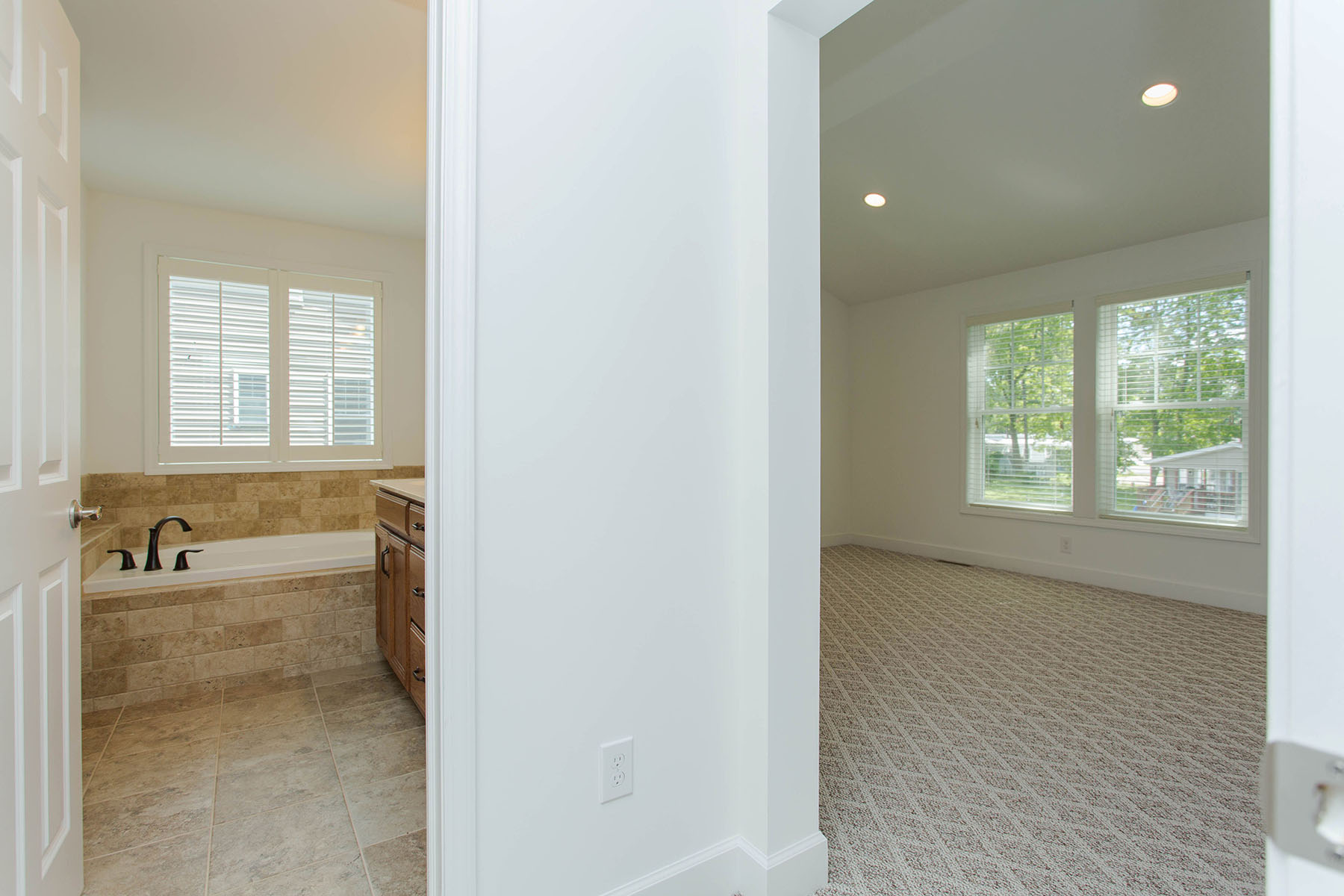 Additional photo for property listing at Newer Construction in Saratoga Springs 1  Mckenzies Way Saratoga Springs, New York 12866 United States