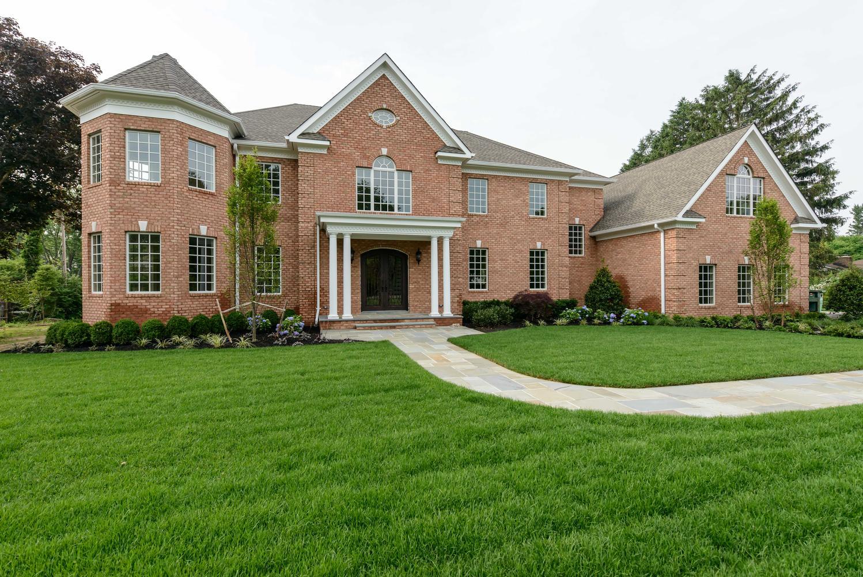 Casa para uma família para Venda às Colonial 33 Meadowridge Ln Old Brookville, Nova York 11545 Estados Unidos