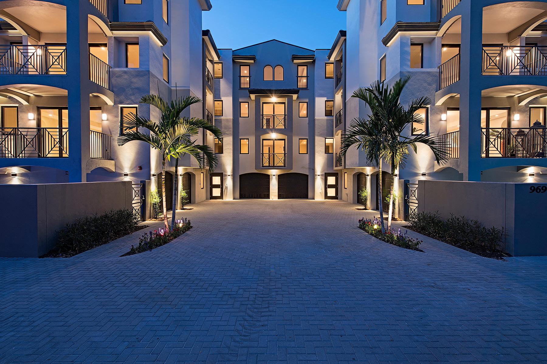 共管式独立产权公寓 为 销售 在 OLD NAPLES - ESMERALDA ON EIGHTH 985 8th Ave S 102 那不勒斯, 佛罗里达州, 34102 美国