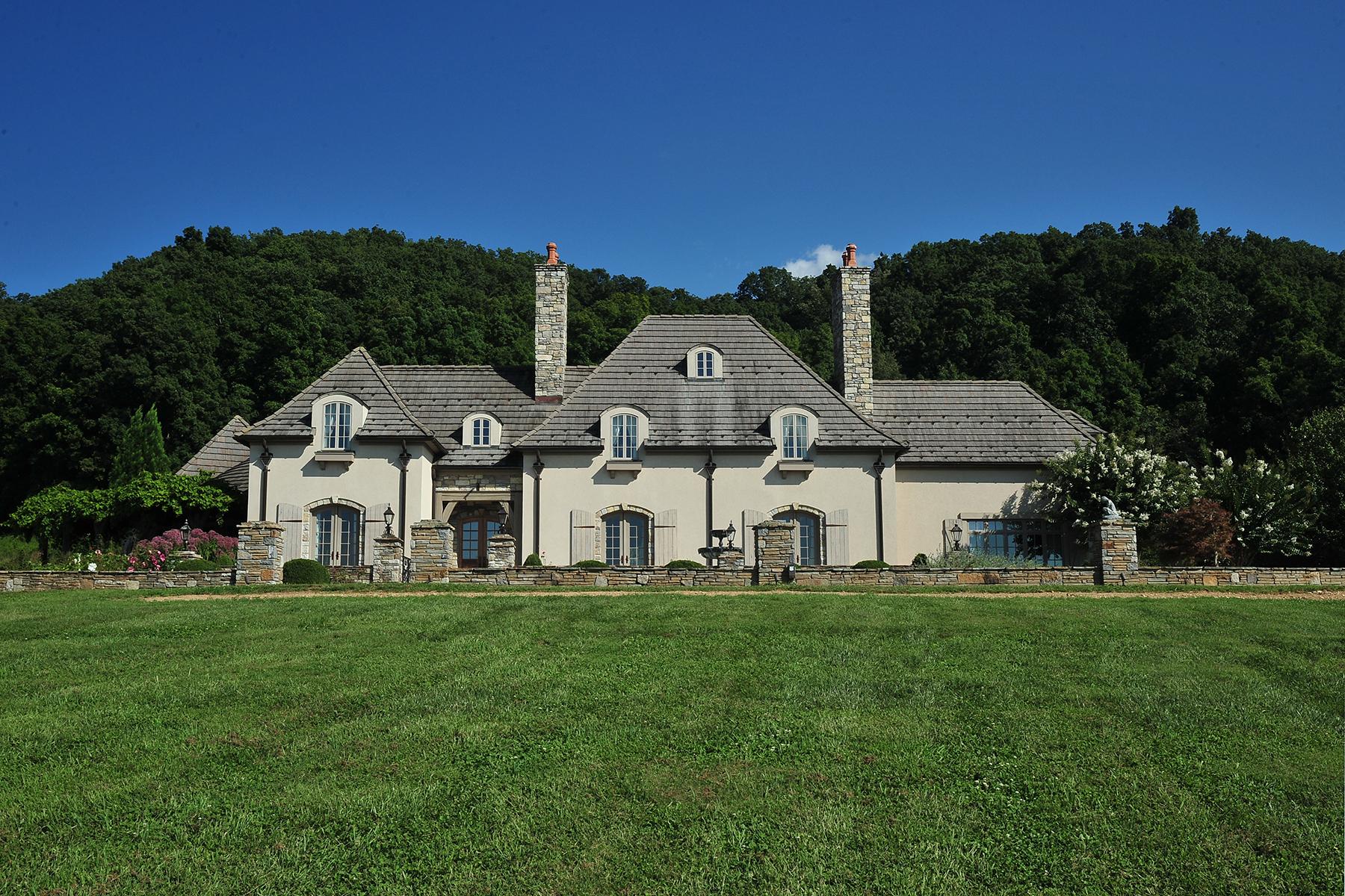 Casa Unifamiliar por un Venta en COUNTRY ESTATE 16308 Old Jonesboro Road Rd Bristol, Virginia 24202 Estados Unidos