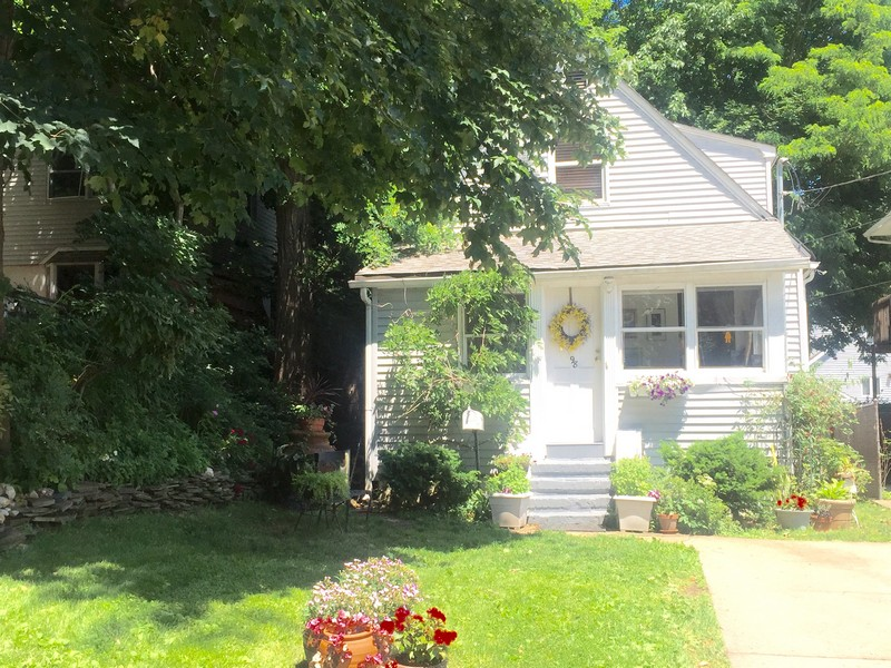 獨棟家庭住宅 為 出售 在 Cottage 98 Firwood Rd Port Washington, 紐約州, 11050 美國