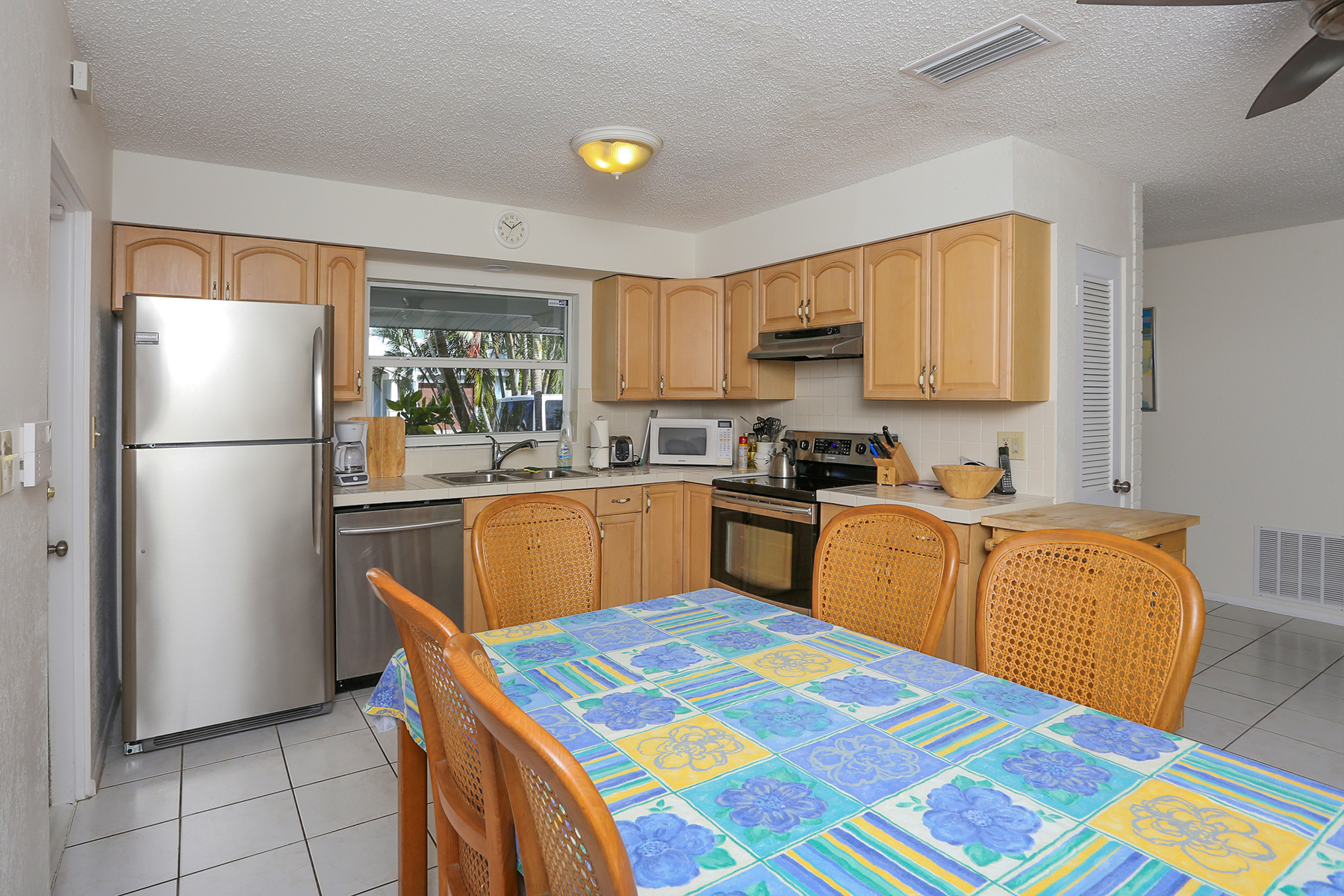 Property Of 674 Norton St, Longboat Key, FL 34228
