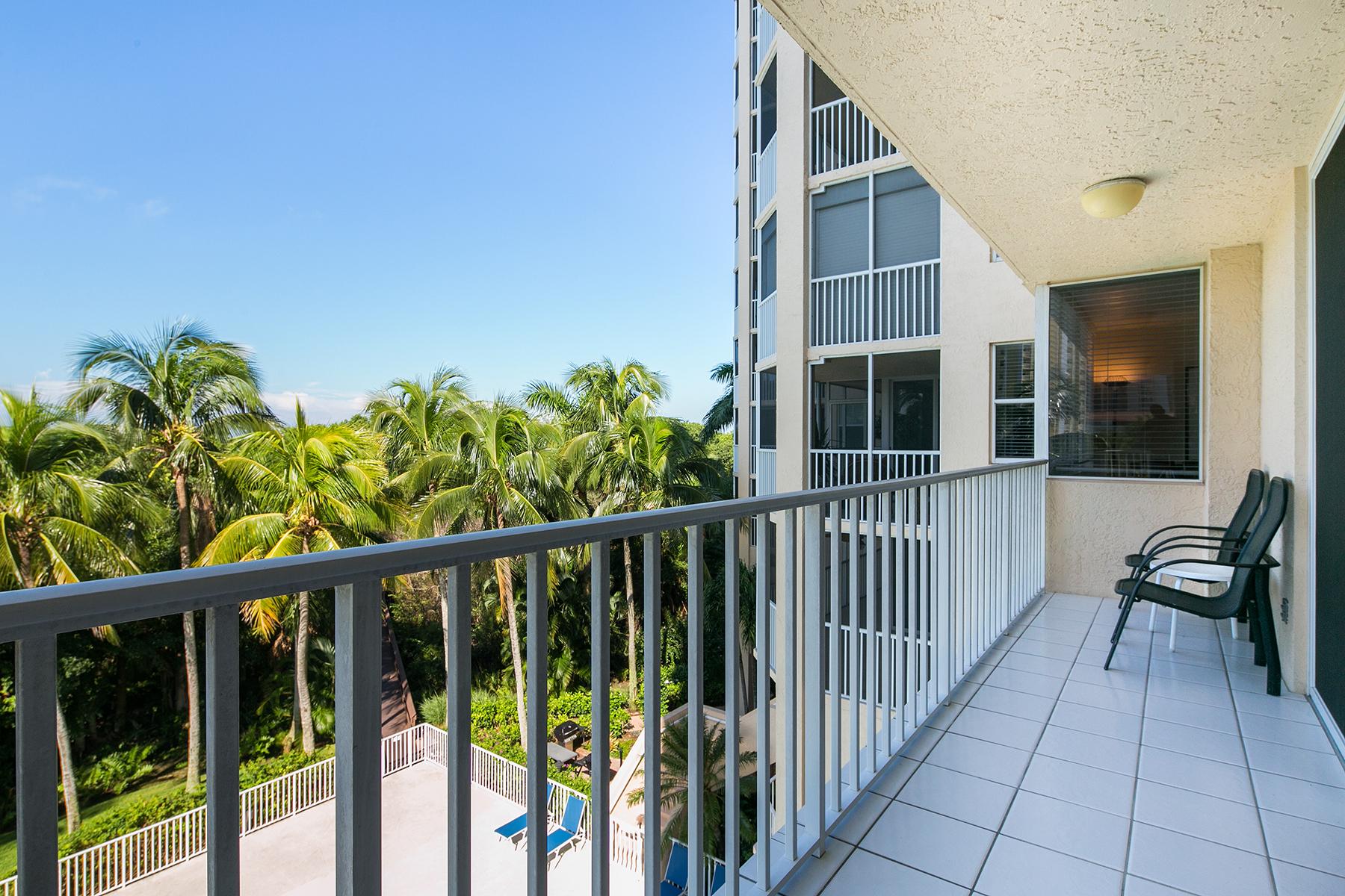 Кооперативная квартира для того Продажа на 5550 Heron Point Dr , 304, Naples, FL 34108 5550 Heron Point Dr 304 Pelican Bay, Naples, Флорида, 34108 Соединенные Штаты