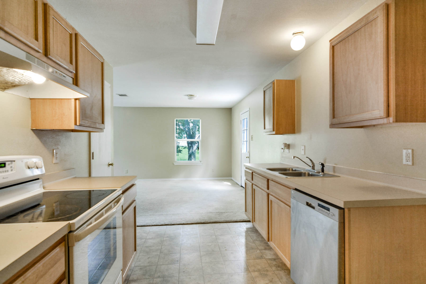 Additional photo for property listing at Wonderful Family Home in Converse 7415 Coers Blvd Converse, Texas 78109 Estados Unidos
