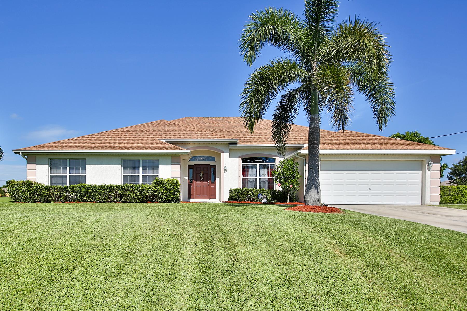 Moradia para Venda às CAPE CORAL 930 NW Juanita Pl Cape Coral, Florida, 33993 Estados Unidos