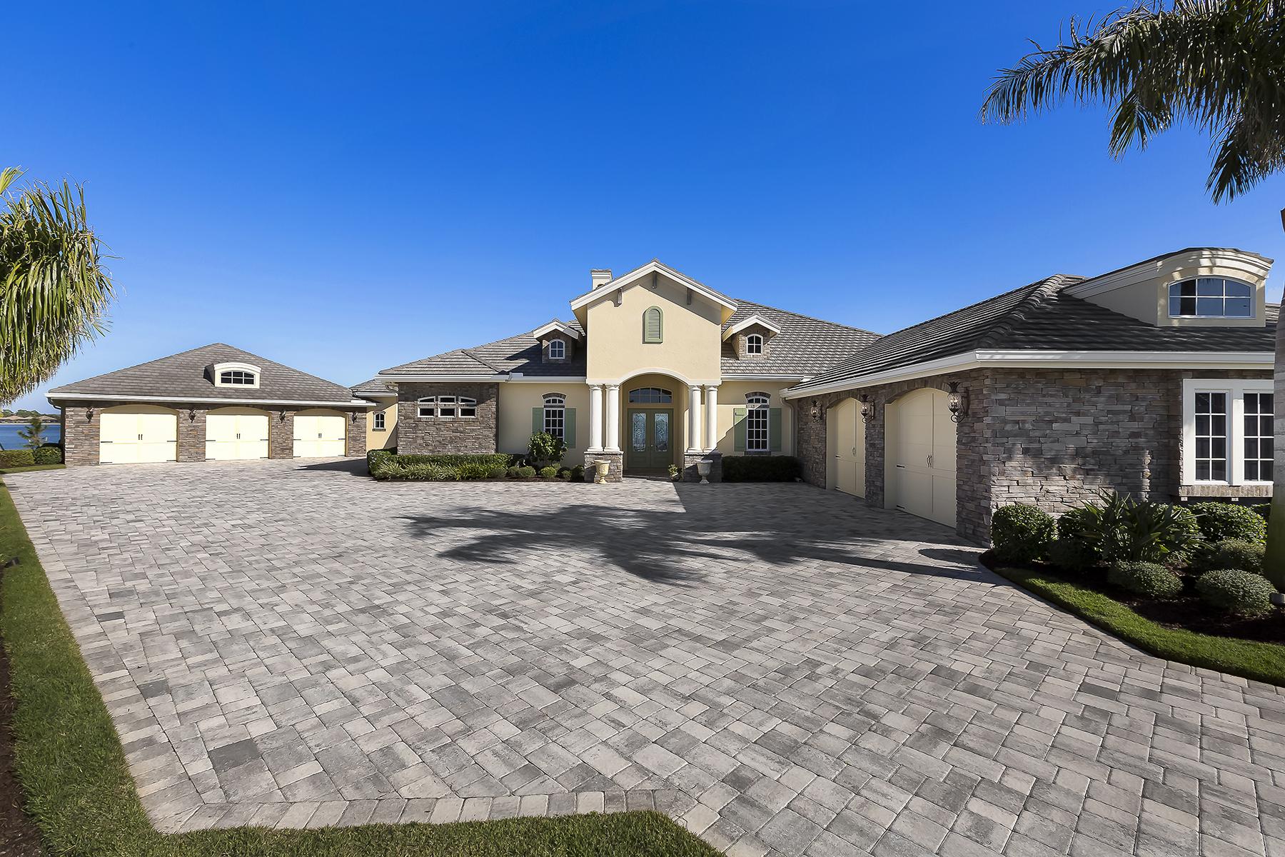 단독 가정 주택 용 매매 에 THE QUARRY - QUARRY SHORES 9337 Granite Ct Naples, 플로리다 34120 미국