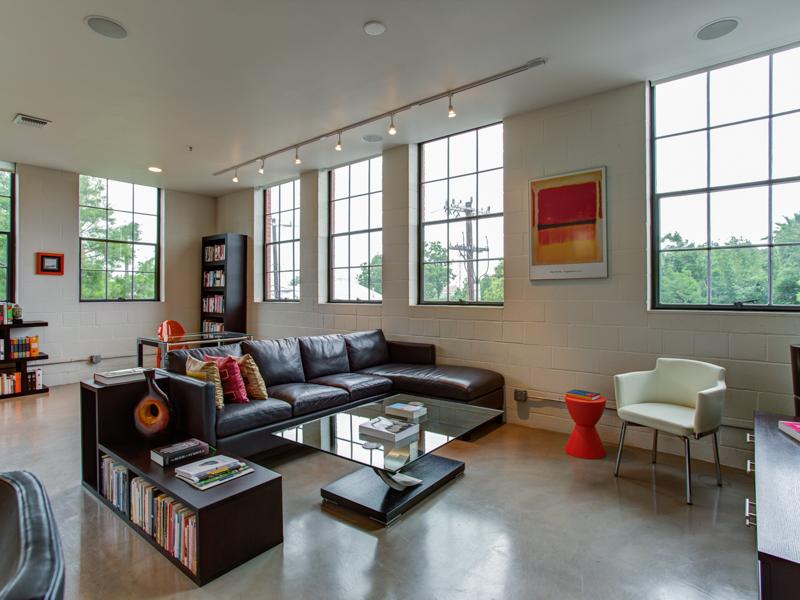 公寓 為 出售 在 Contemporary Condo in Camp Street Residences 114 Camp St 204 San Antonio, 德克薩斯州 78204 美國