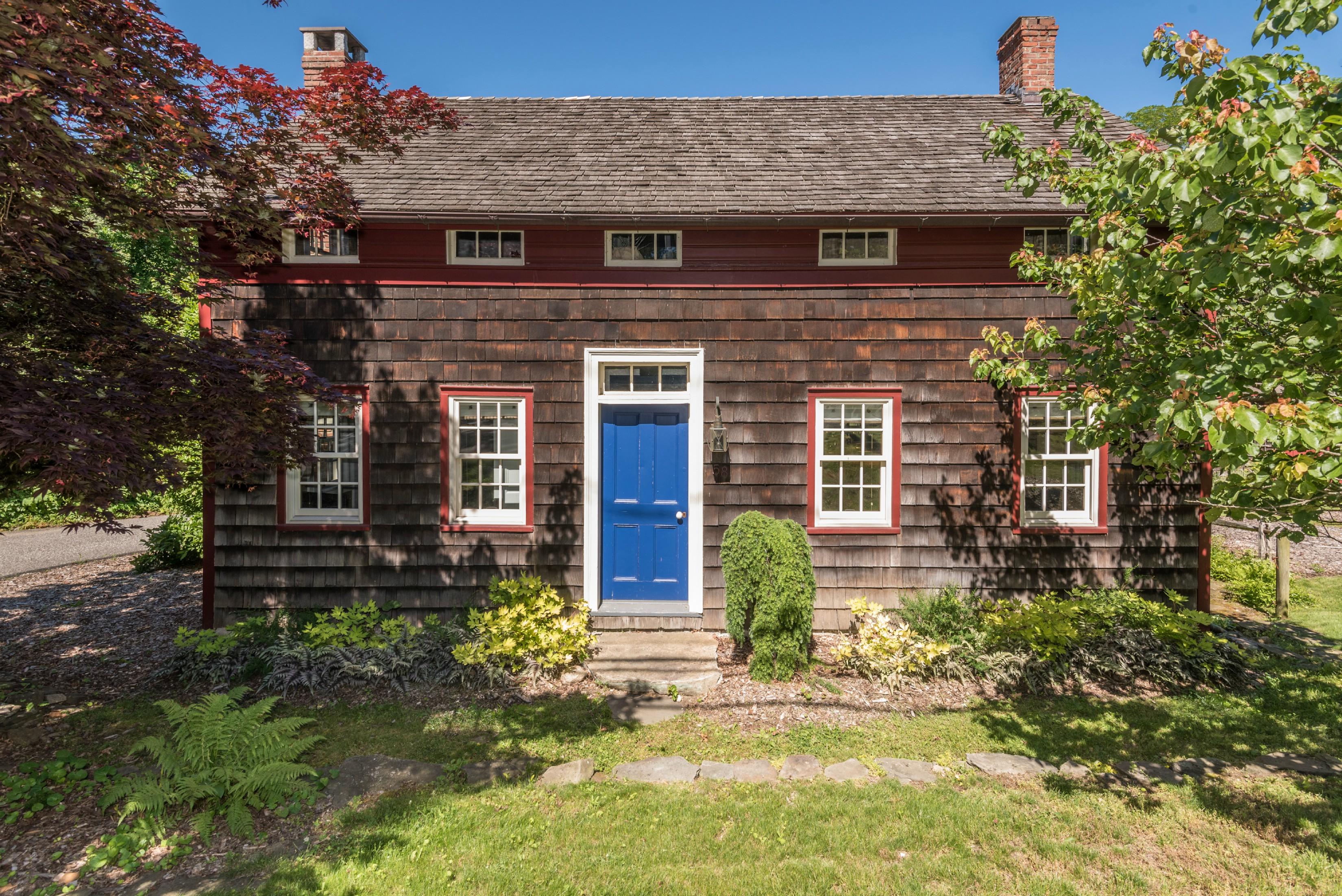 단독 가정 주택 용 매매 에 AntiqueHist 58 Main St Setauket, 뉴욕, 11733 미국