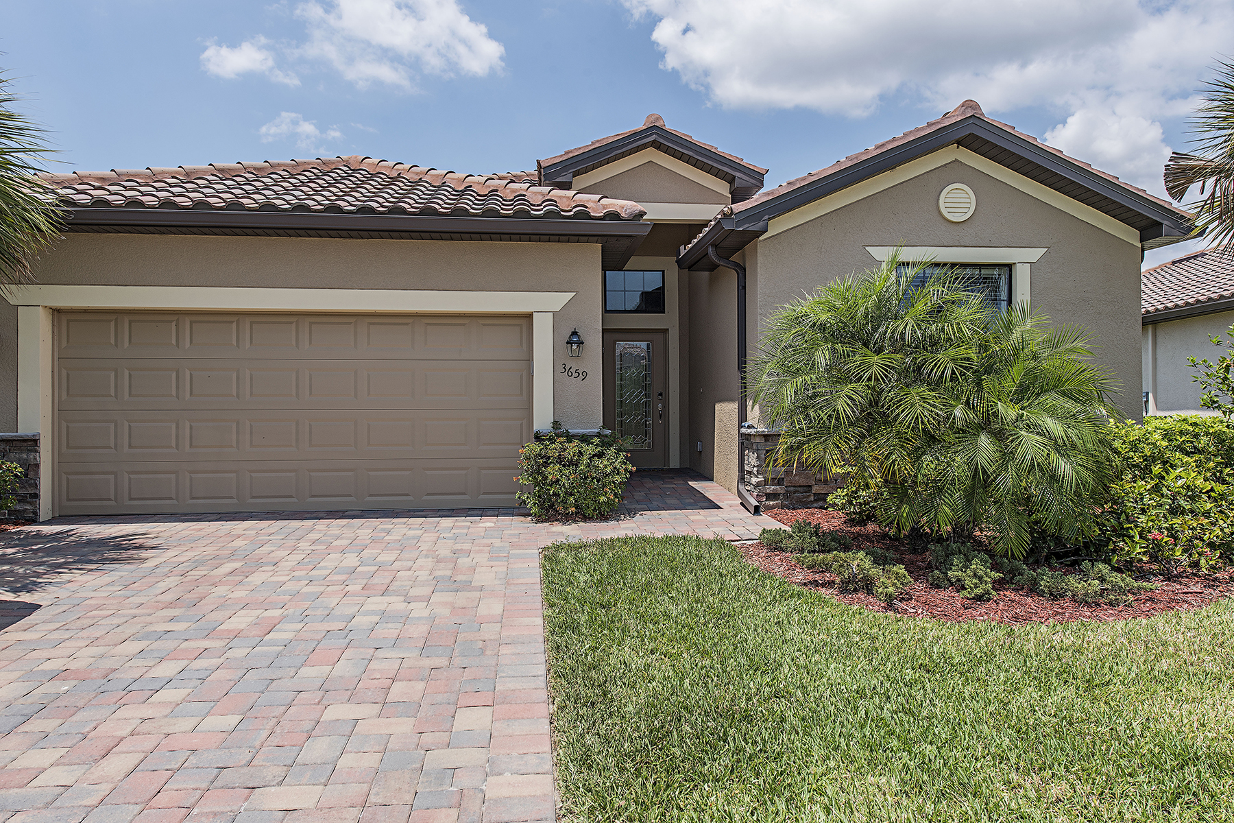 Single Family Home for Sale at NAPLES - COPPER COVE 3659 Treasure Cove Cir Naples, Florida, 34114 United States